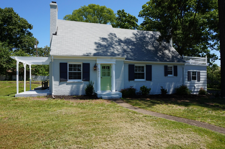 Vivienda unifamiliar por un Venta en 5802 N. Crestwood Avenue Richmond, Virginia, 23230 Estados Unidos
