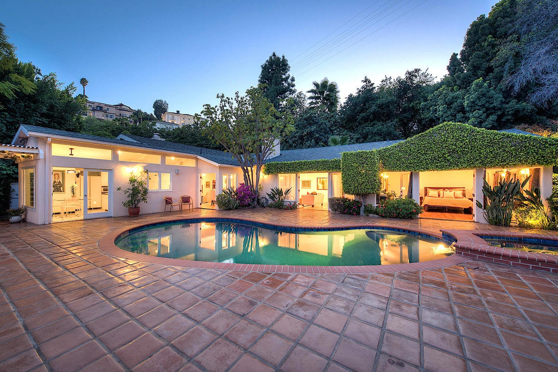 Single Family Home for Sale at 3521 Wrightwood Dr Studio City, California, 91604 United States
