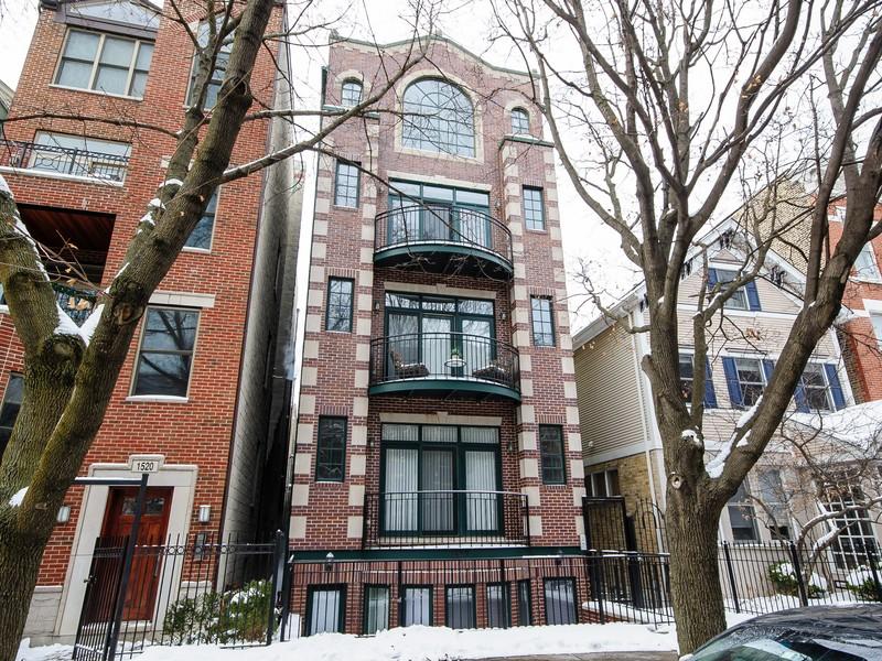 Кооперативная квартира для того Продажа на Boutique Building Penthouse 1522 N Cleveland Avenue Unit 3 Near North Side, Chicago, Иллинойс 60610 Соединенные Штаты
