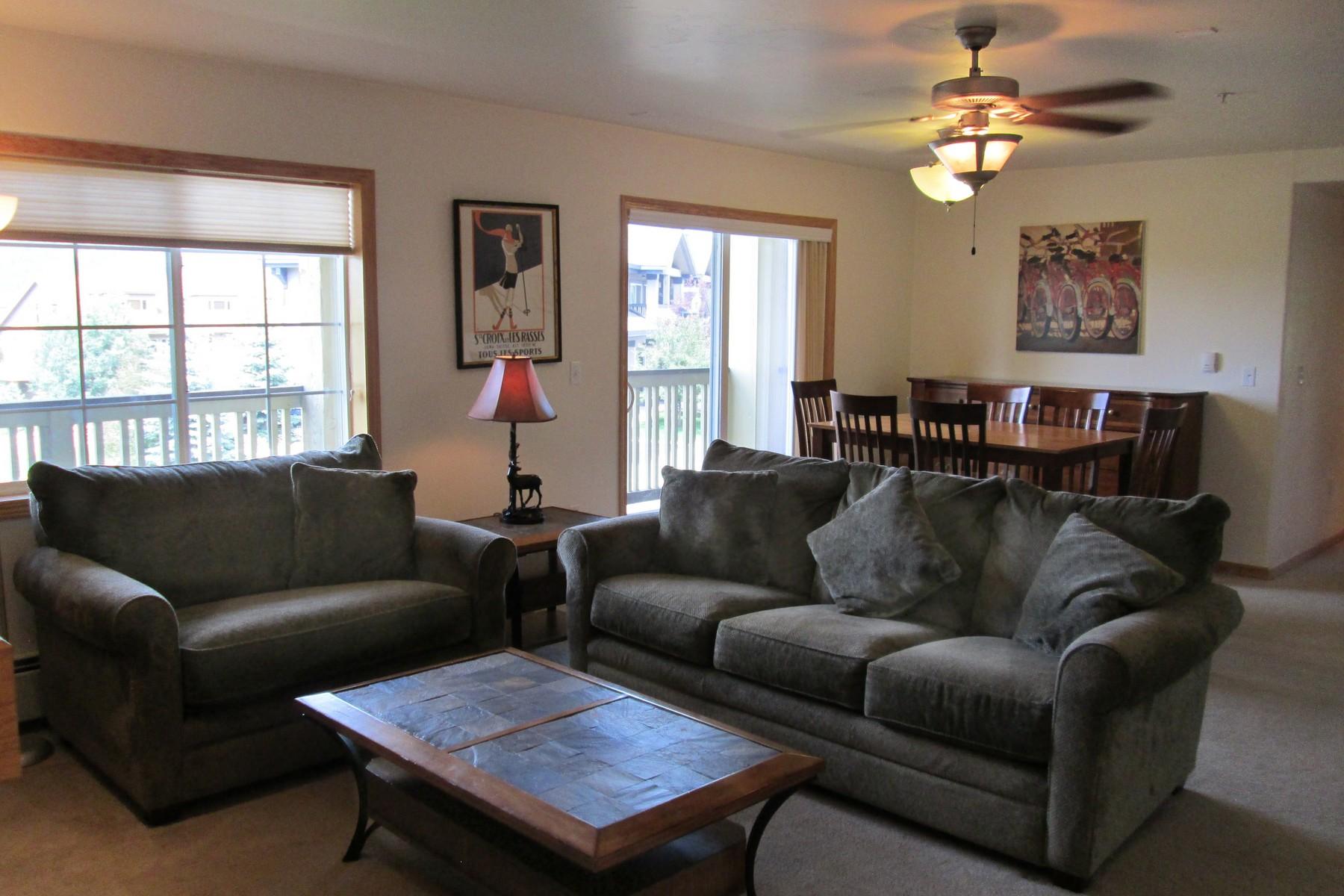 Copropriété pour l Vente à Move In Ready! 3370 Columbine Drive #105 Unit 105 Steamboat Springs, Colorado 80487 États-Unis