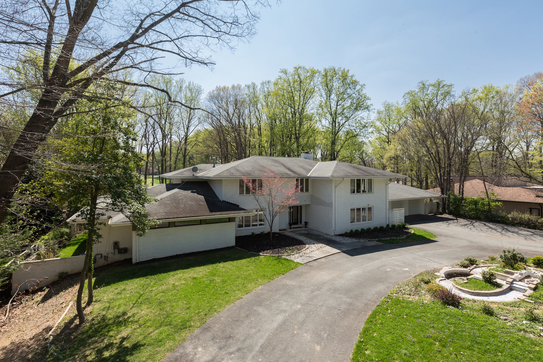 Additional photo for property listing at 7318 Arrowood Rd. Bethesda, MD  Bethesda, Maryland 20817 Stati Uniti