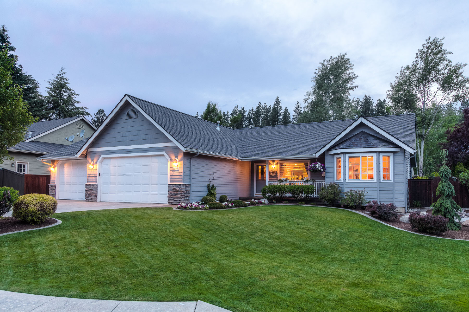 Single Family Home for Sale at Single Level Upgraded Beauty in Best Hills 2877 E Red Cedar Ct Coeur D Alene, Idaho, 83815 United States