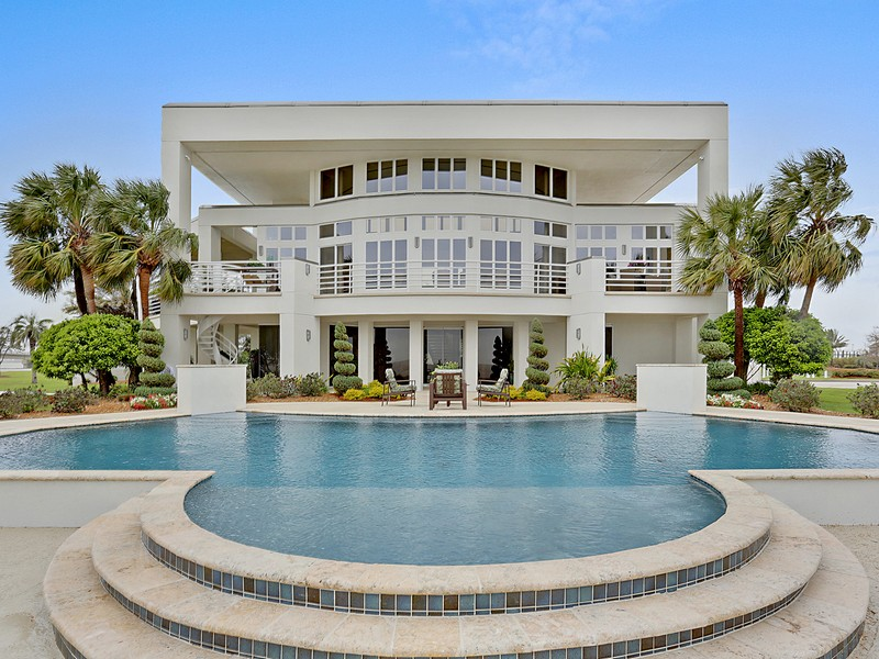 sales property at Chic Lakefront Contemporary