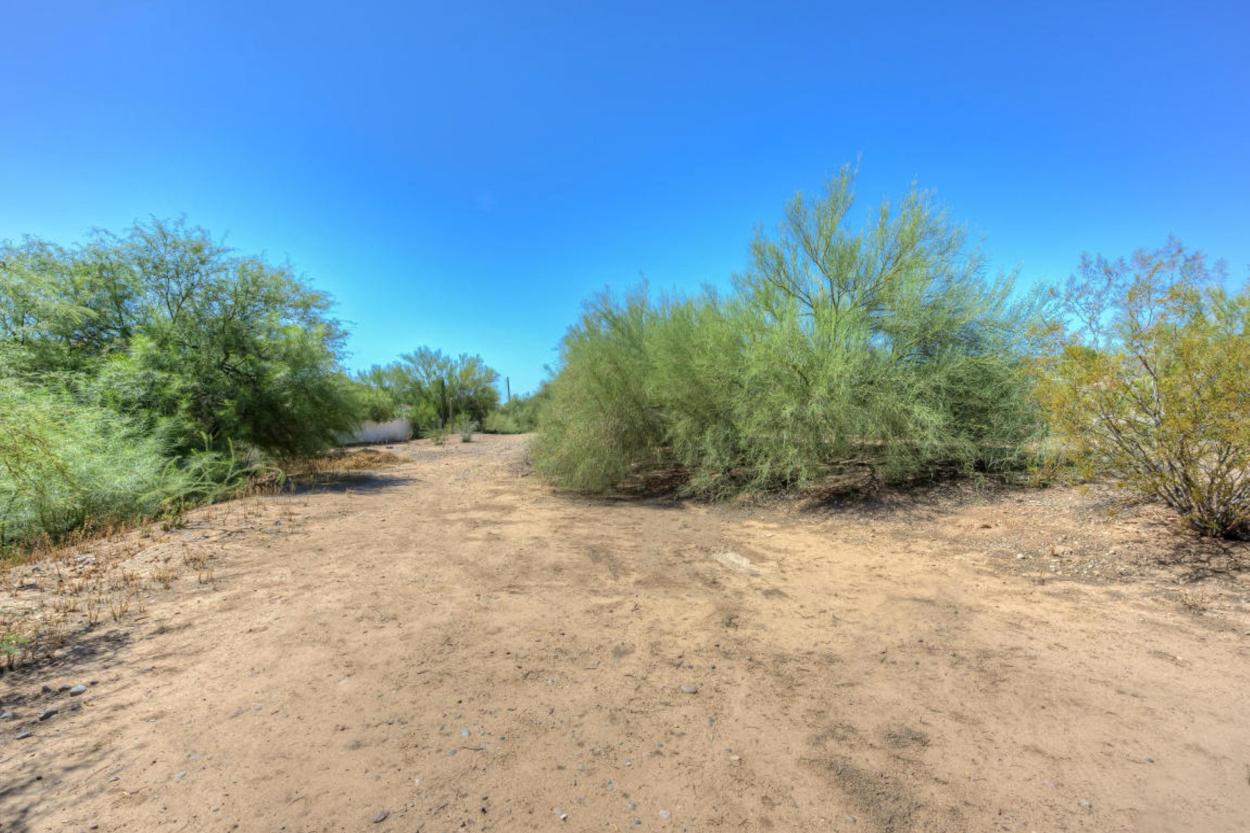 Terreno para Venda às Exceptional views from this flat lot located in the desirable Camelback Ranch 5111 E Lincoln Drive #1 Paradise Valley, Arizona 85253 Estados Unidos