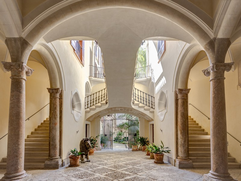 Villa per Vendita alle ore Stunning refurbished palace in the Old Town Palma, Maiorca 07001 Spagna