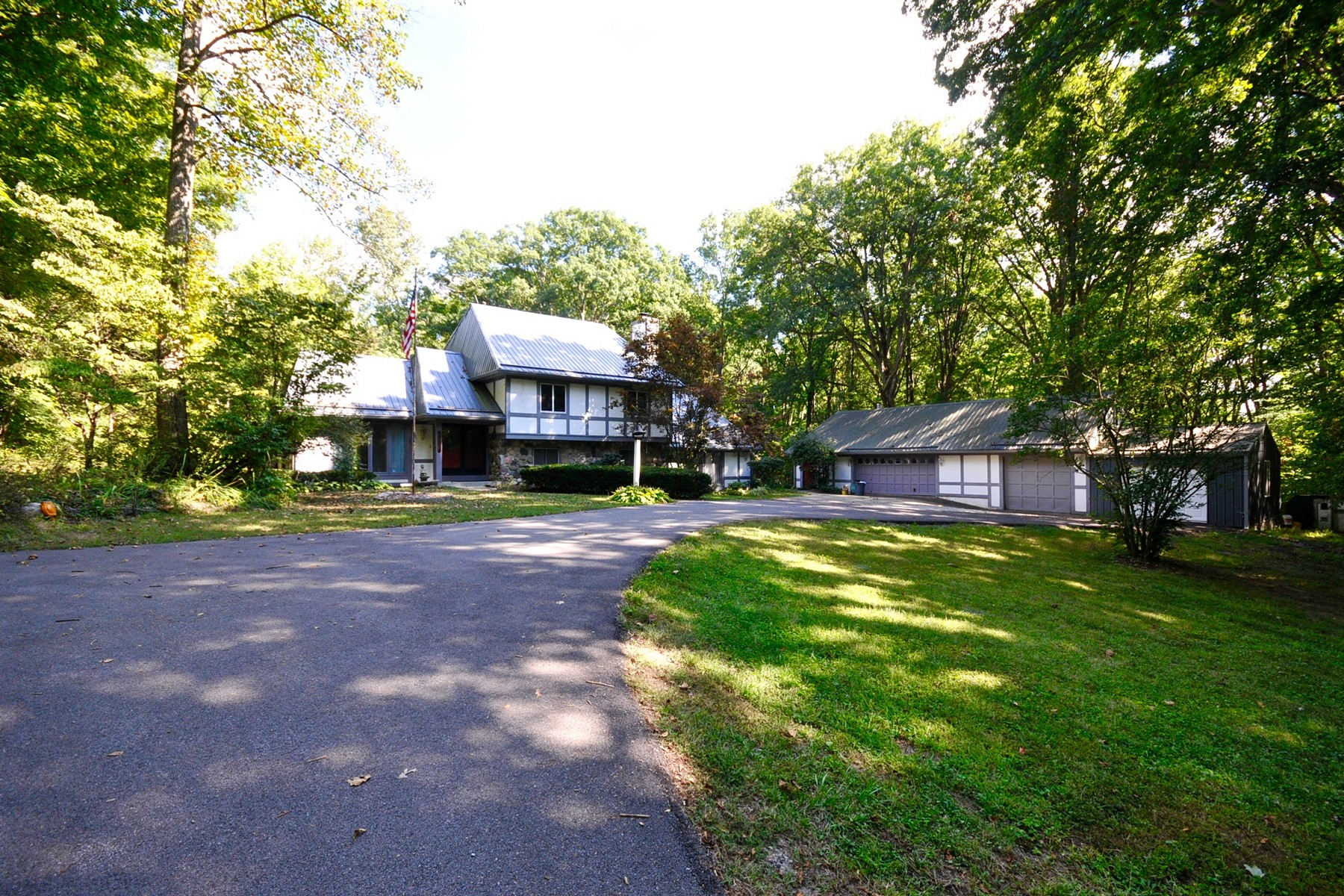 Single Family Home for Sale at Charming Home Rests on 14 Acres 3535 Conservation Club Road Morgantown, Indiana 46160 United States
