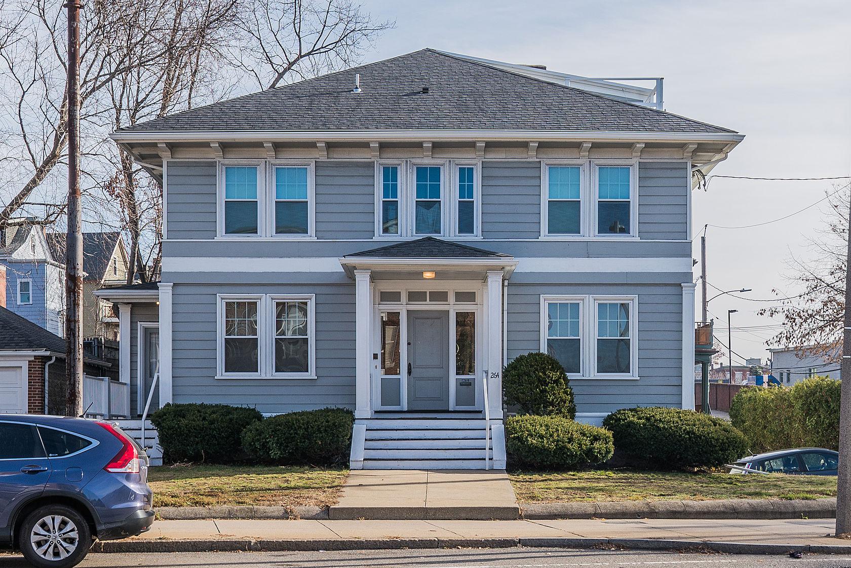 Condominio per Vendita alle ore Fantastic City Living Opportunity 264 South Huntington St #1 Jamaica Plain, Boston, Massachusetts 02130 Stati Uniti