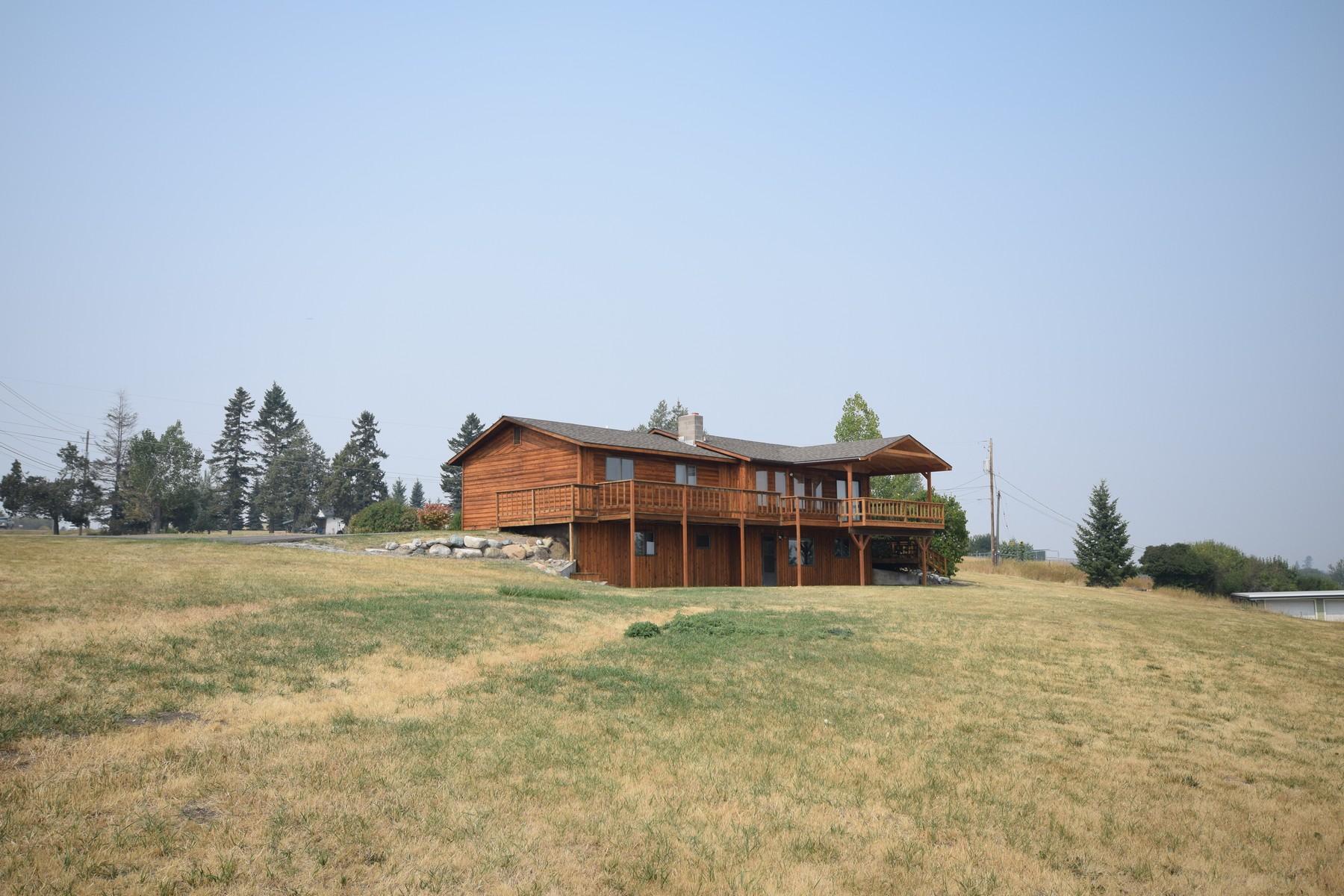一戸建て のために 売買 アット Country living close to town 1585 Hwy 2 West Kalispell, モンタナ 59901 アメリカ合衆国