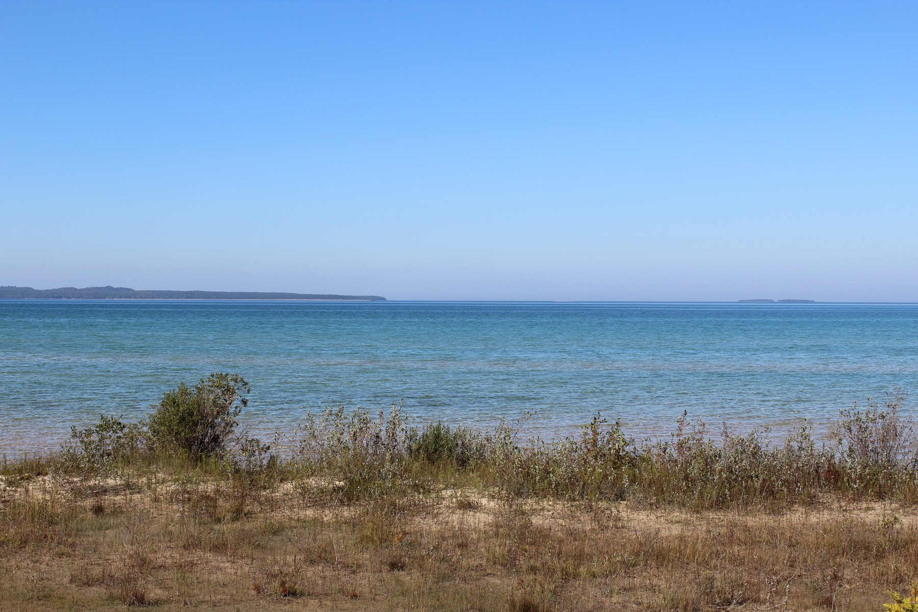 토지 용 매매 에 Prime Beachfront on Lake Michigan Lot #22 Lake Shore Road Beaver Island, 미시건, 49782 미국
