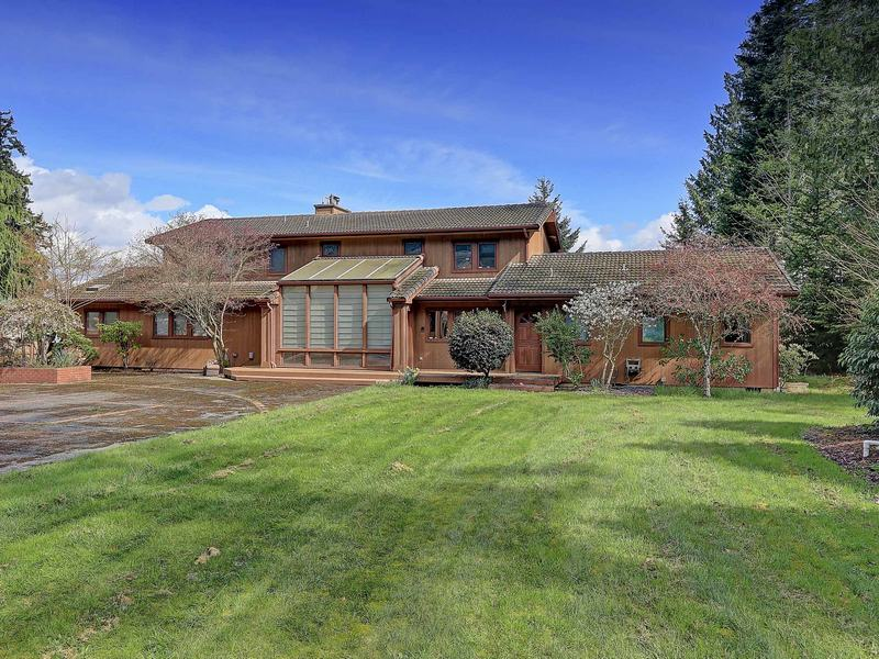 Single Family Home for Sale at Camano Island Waterfront Home 2541 Bretland Rd Camano Island, Washington 98282 United States
