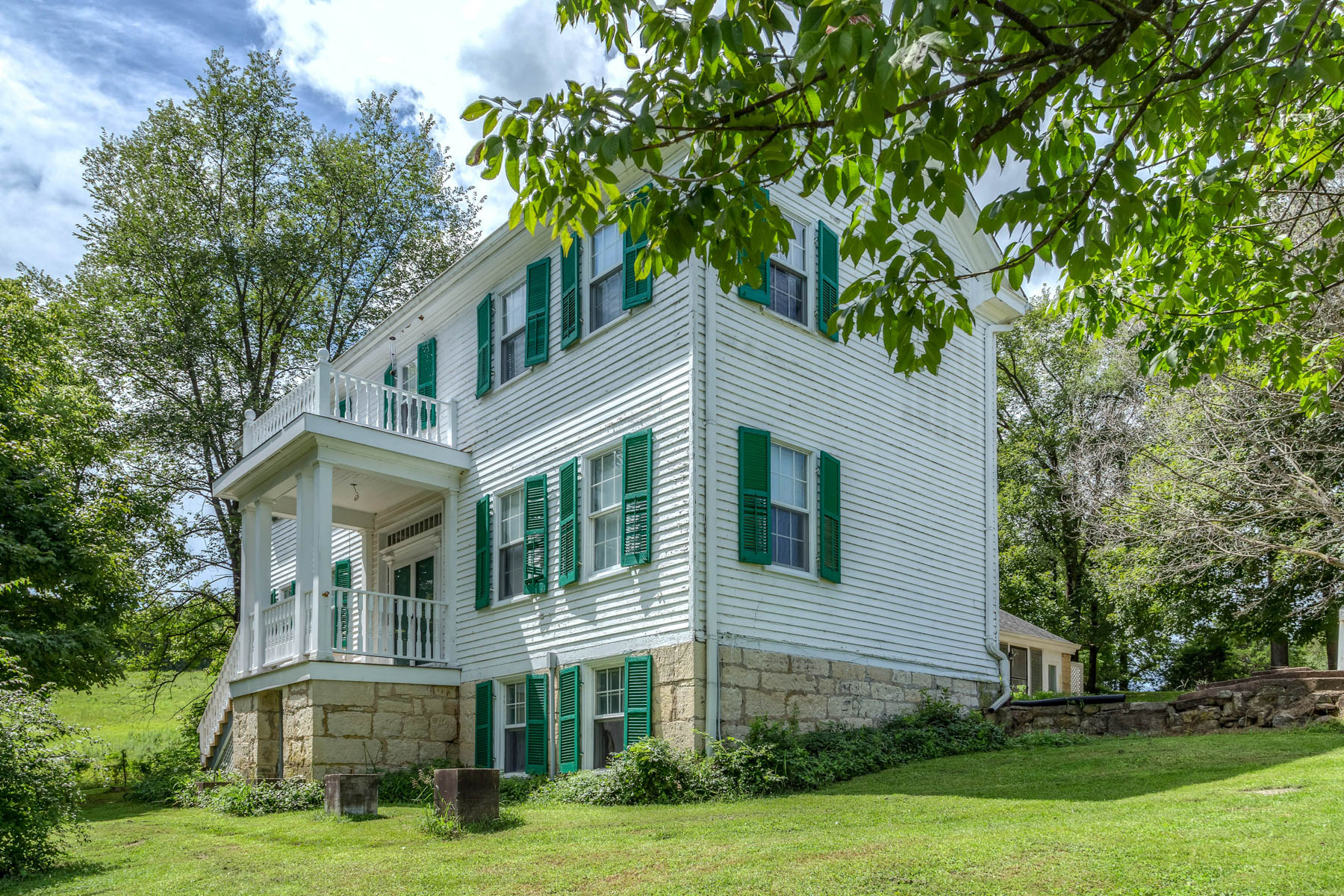 Single Family Home for Sale at Femme Osage Creek 1349 Femme Osage Creek Road Augusta, Missouri, 63332 United States