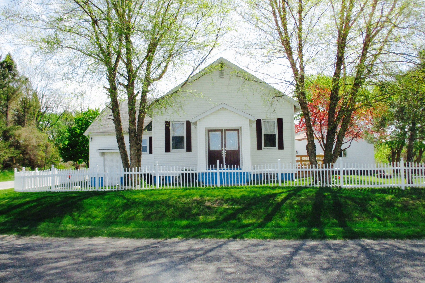 Single Family Home for Sale at Peaceful Country Living 61965 County Road 384 Bangor, Michigan, 49013 United States