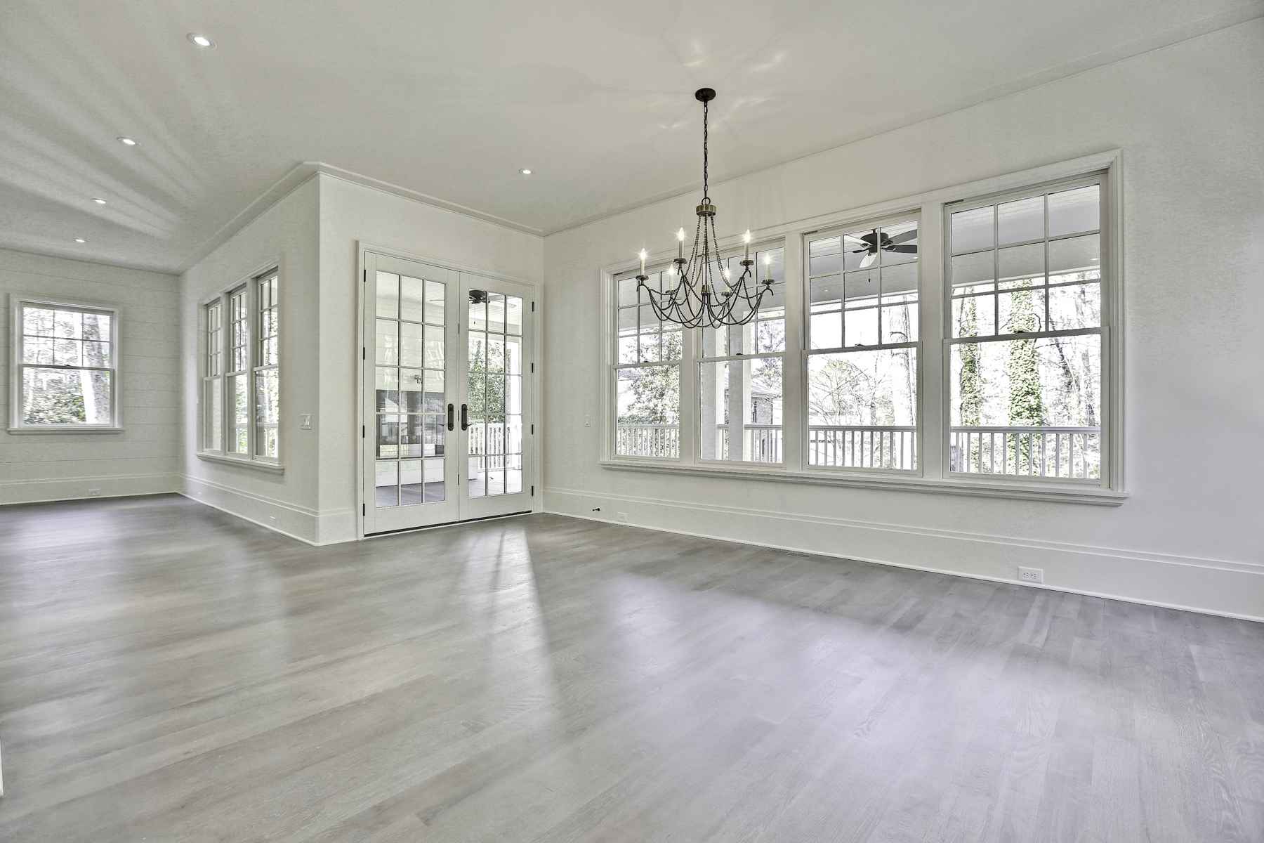 Additional photo for property listing at New Construction by JackBilt Homes. 870 Wildwood Road NE Atlanta, 조지아 30324 미국