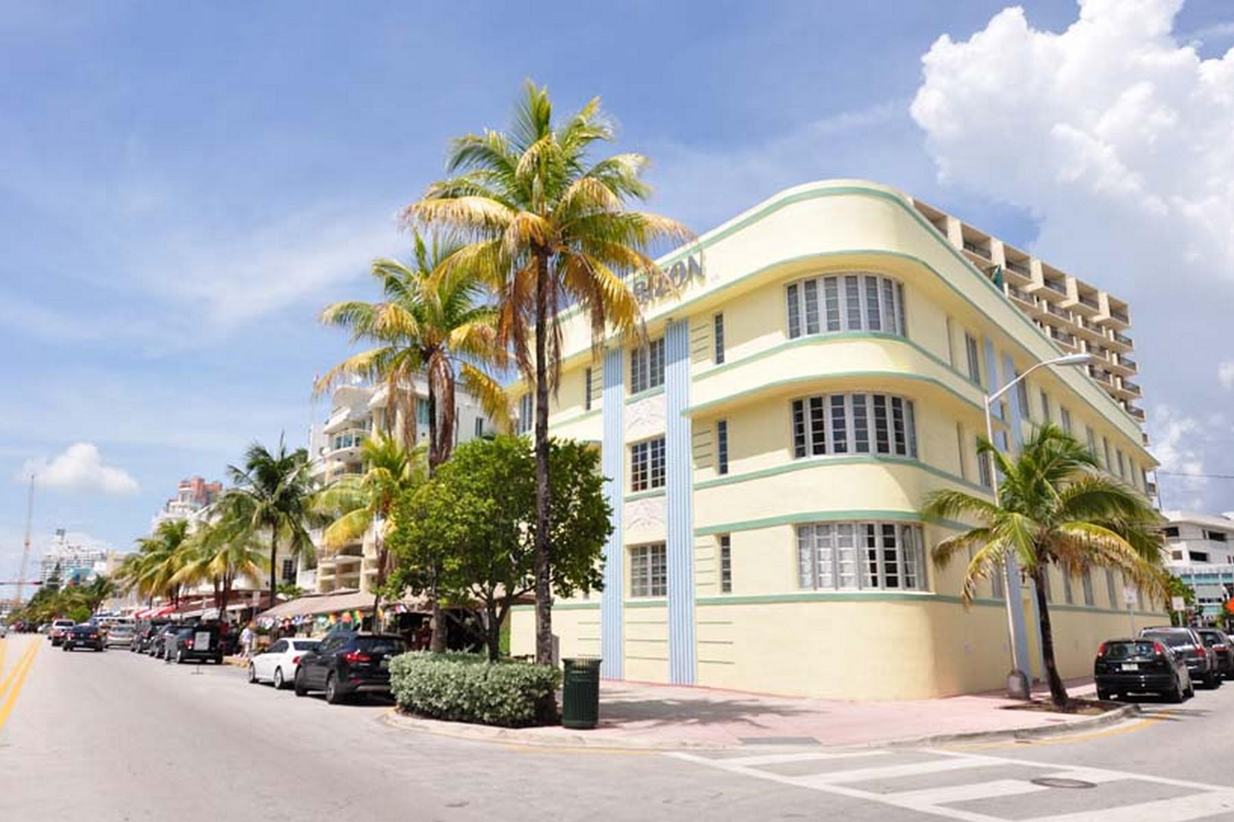 Condominio por un Venta en 530 Ocean Drive #302 Miami Beach, Florida 33139 Estados Unidos