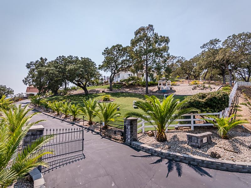 Single Family Home for Sale at CASA ALTAMIRA ESTATE 10455 San Marcos Road Atascadero, California, 93422 United States