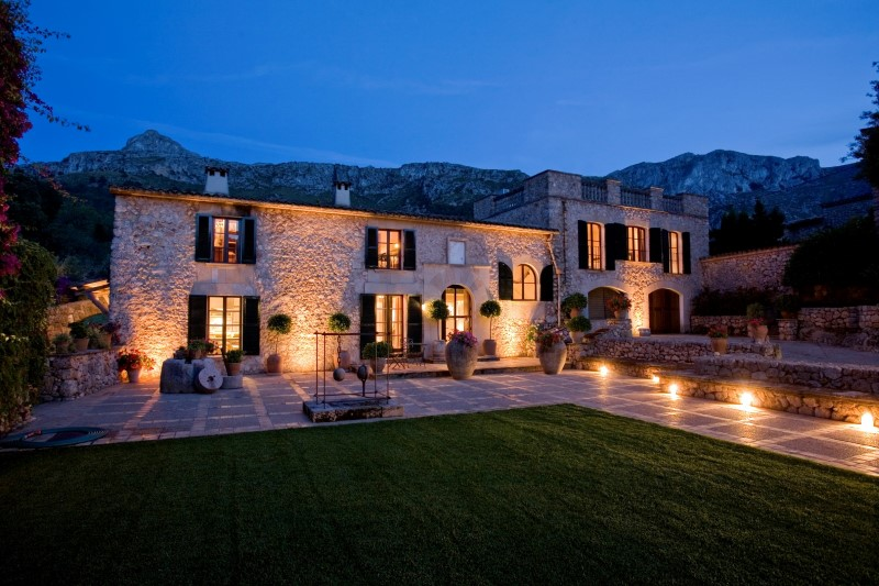 多戶家庭房屋 為 出售 在 Magnificent historical country estate in Pollensa Pollensa, 馬婁卡 07460 西班牙