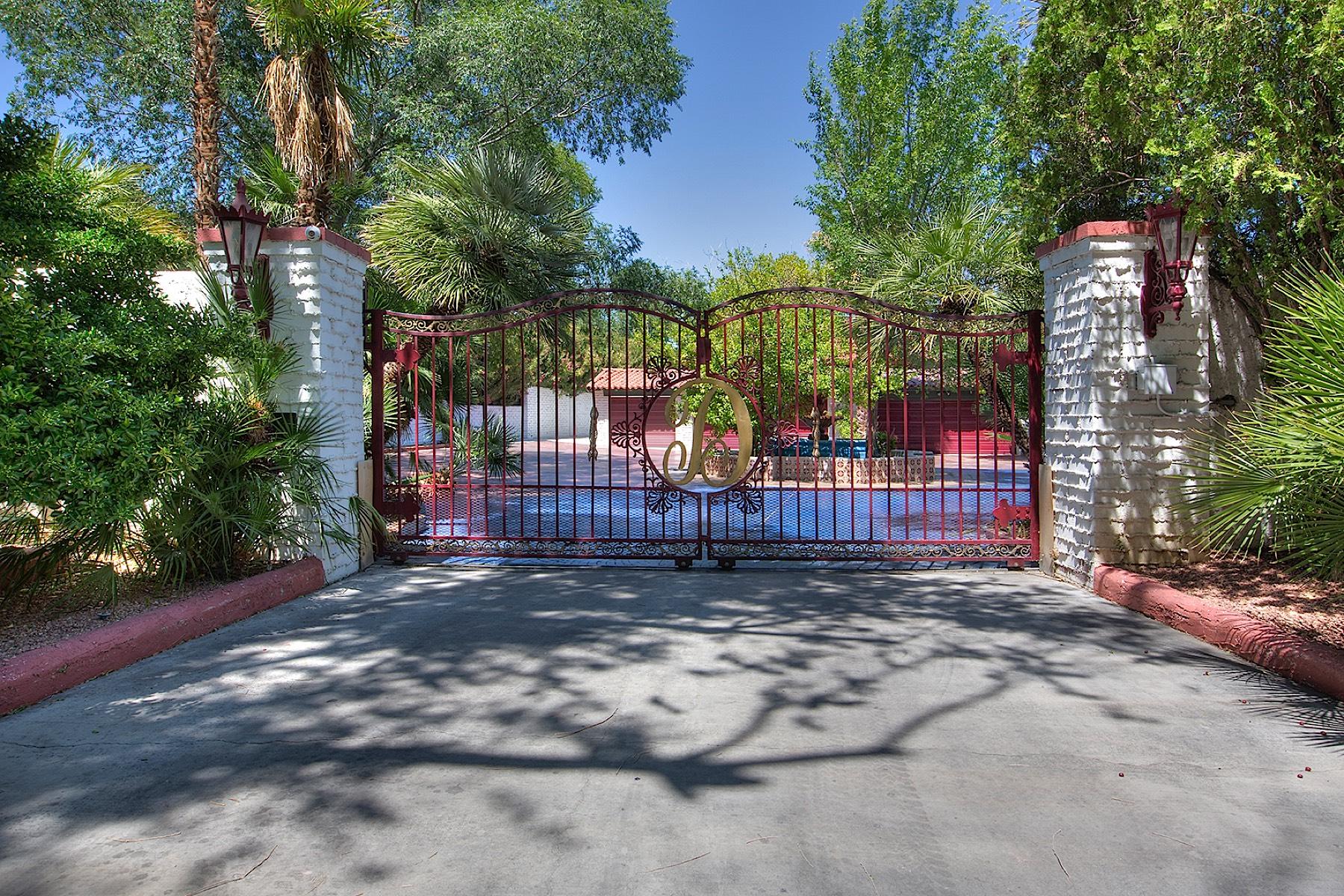 Nhà ở một gia đình vì Bán tại 1200 Rancho Cr Las Vegas, Nevada 89107 Hoa Kỳ