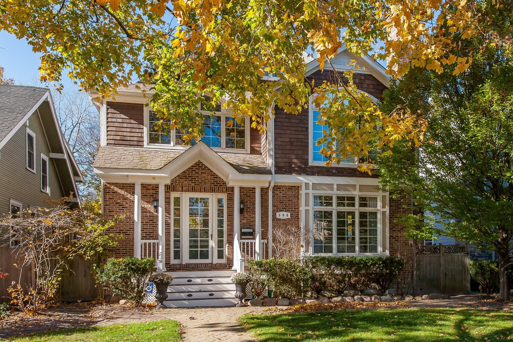 一戸建て のために 売買 アット Stunning Winnetka Home 306 Walnut Street Winnetka, イリノイ, 60093 アメリカ合衆国