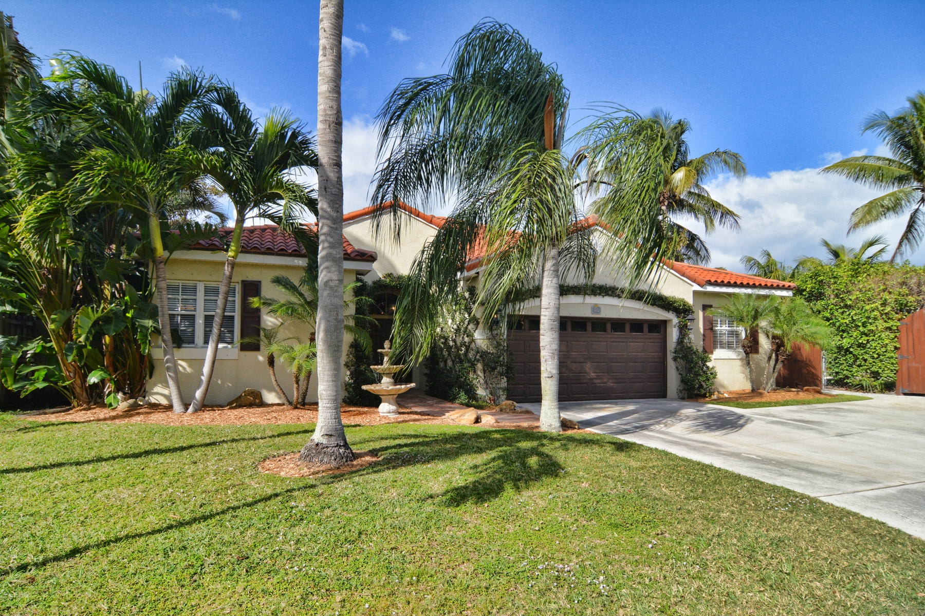 Moradia para Venda às 237 Rilyn Drive West Palm Beach, Florida, 33405 Estados Unidos