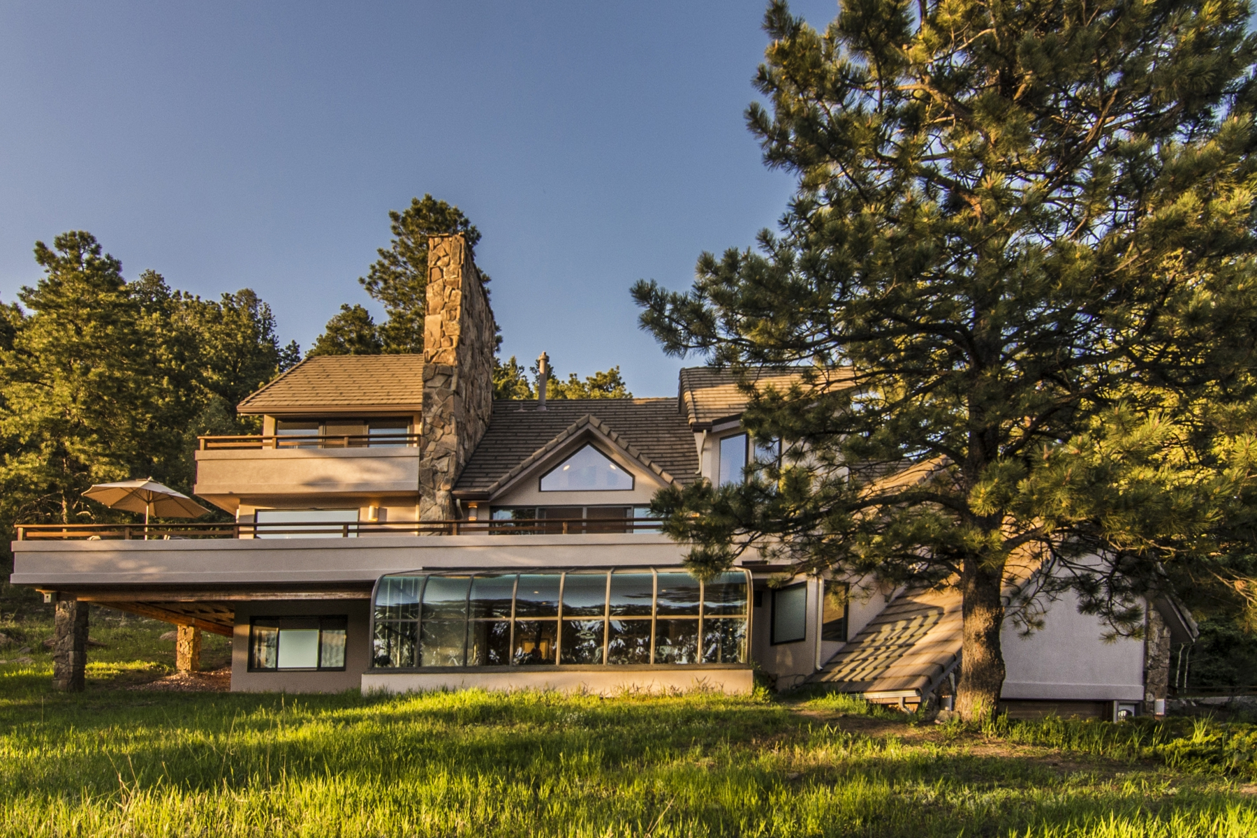 独户住宅 为 销售 在 World-Class Views and Privacy! 1780 Larkspur Drive Golden, 科罗拉多州 80401 美国