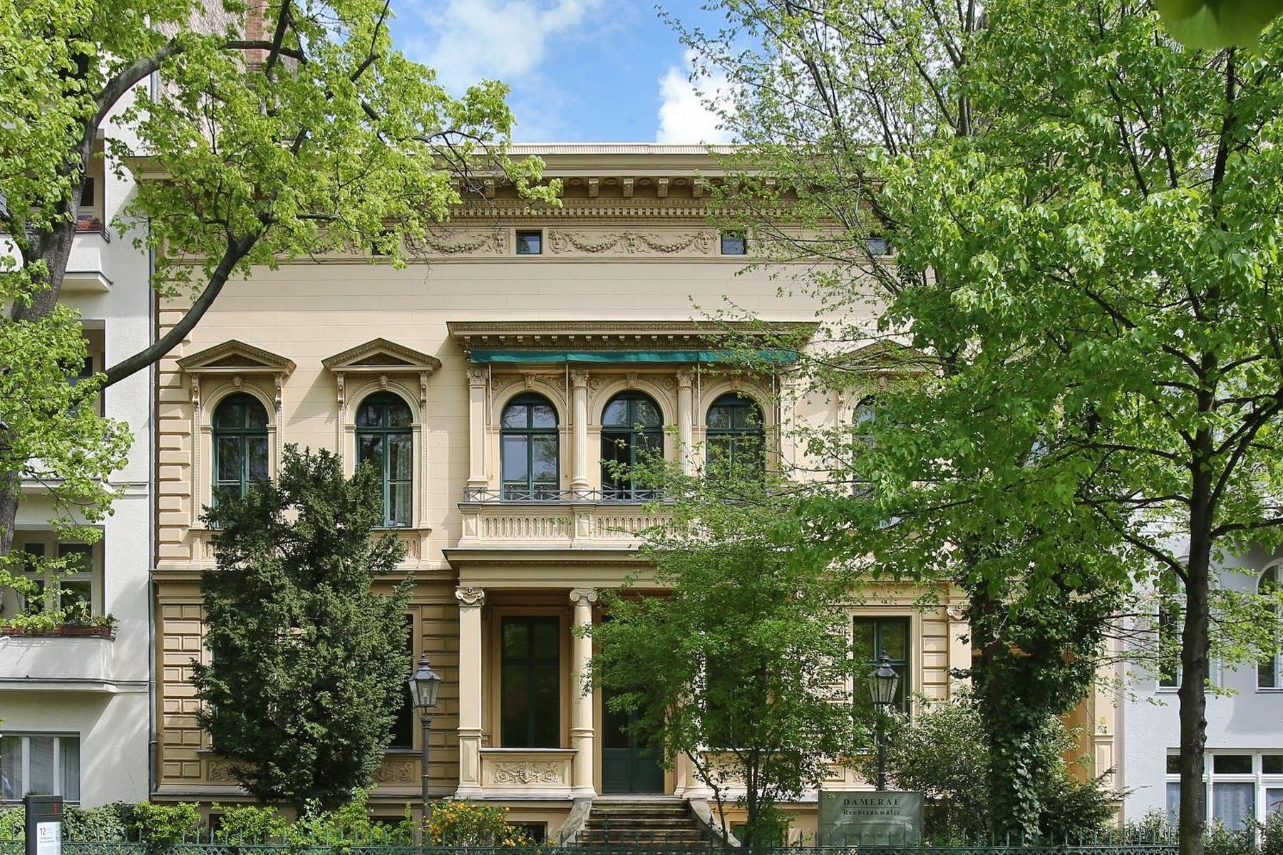 Maison unifamiliale pour l Vente à Monument-Listed city Villa near Charlottenburg Palace! Berlin, Berlin 14059 Allemagne