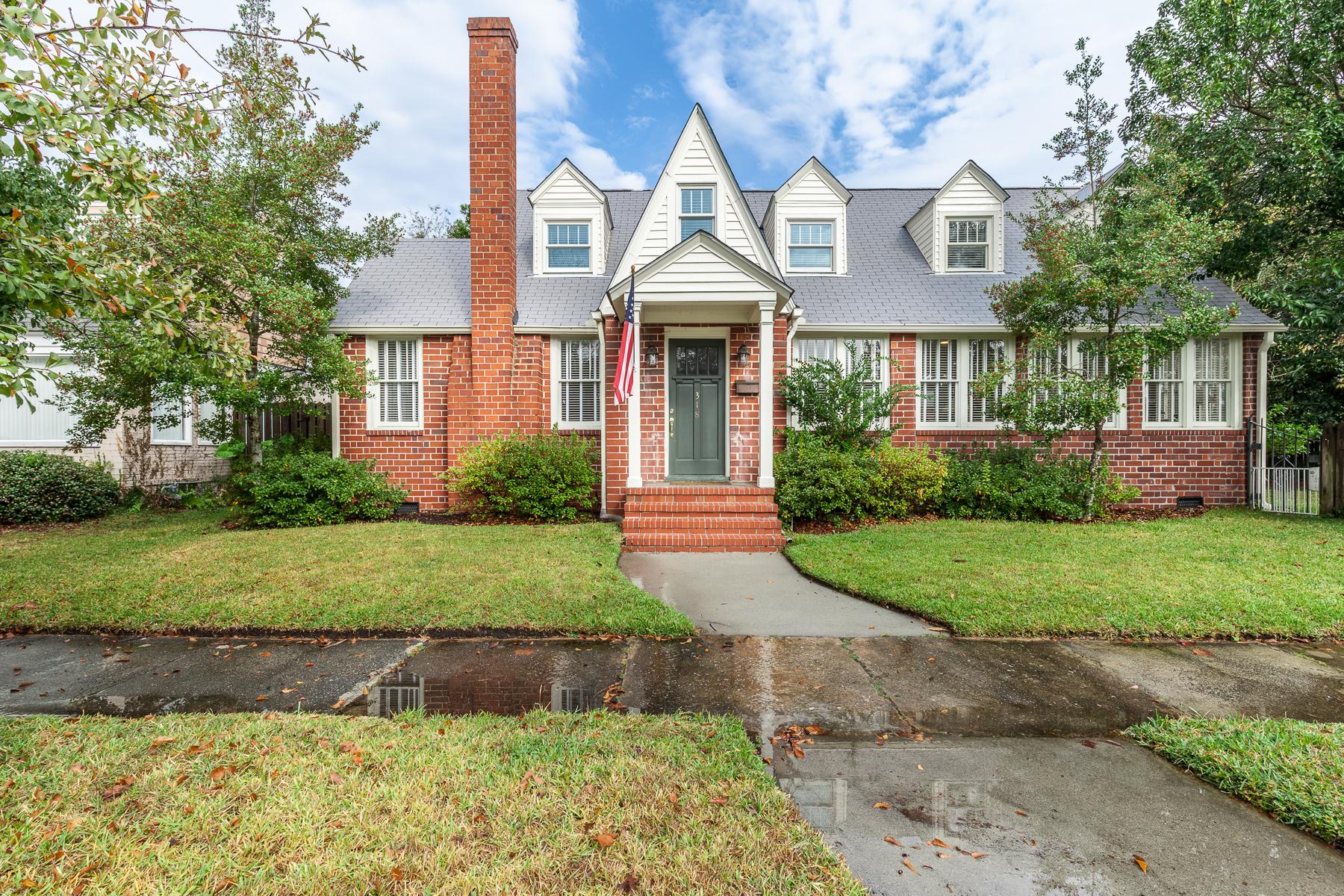 獨棟家庭住宅 為 出售 在 318 East 55th Street Savannah, 喬治亞州, 31405 美國