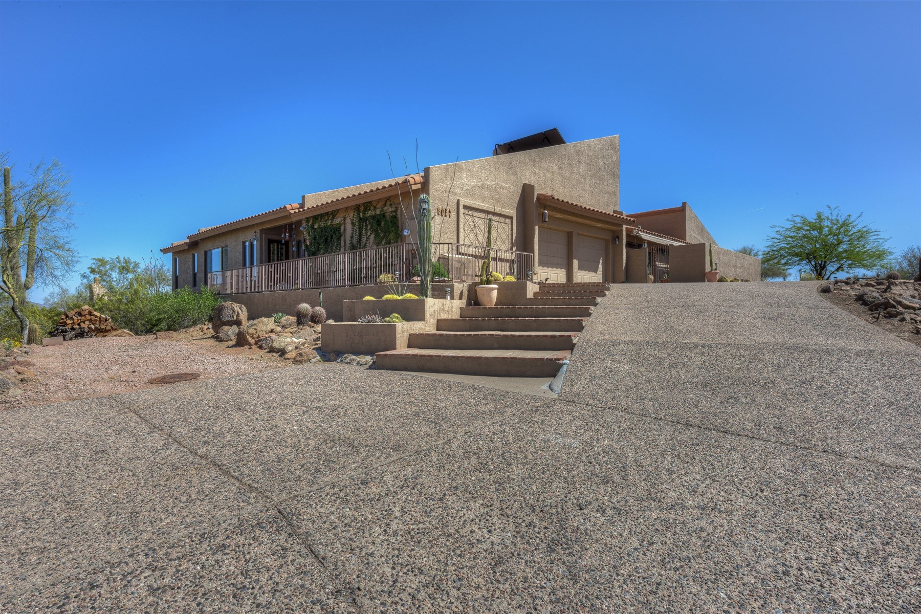 Single Family Home for Sale at Contemporary home in Fountain Hills 9057 N Leo Dr Fountain Hills, Arizona, 85268 United States