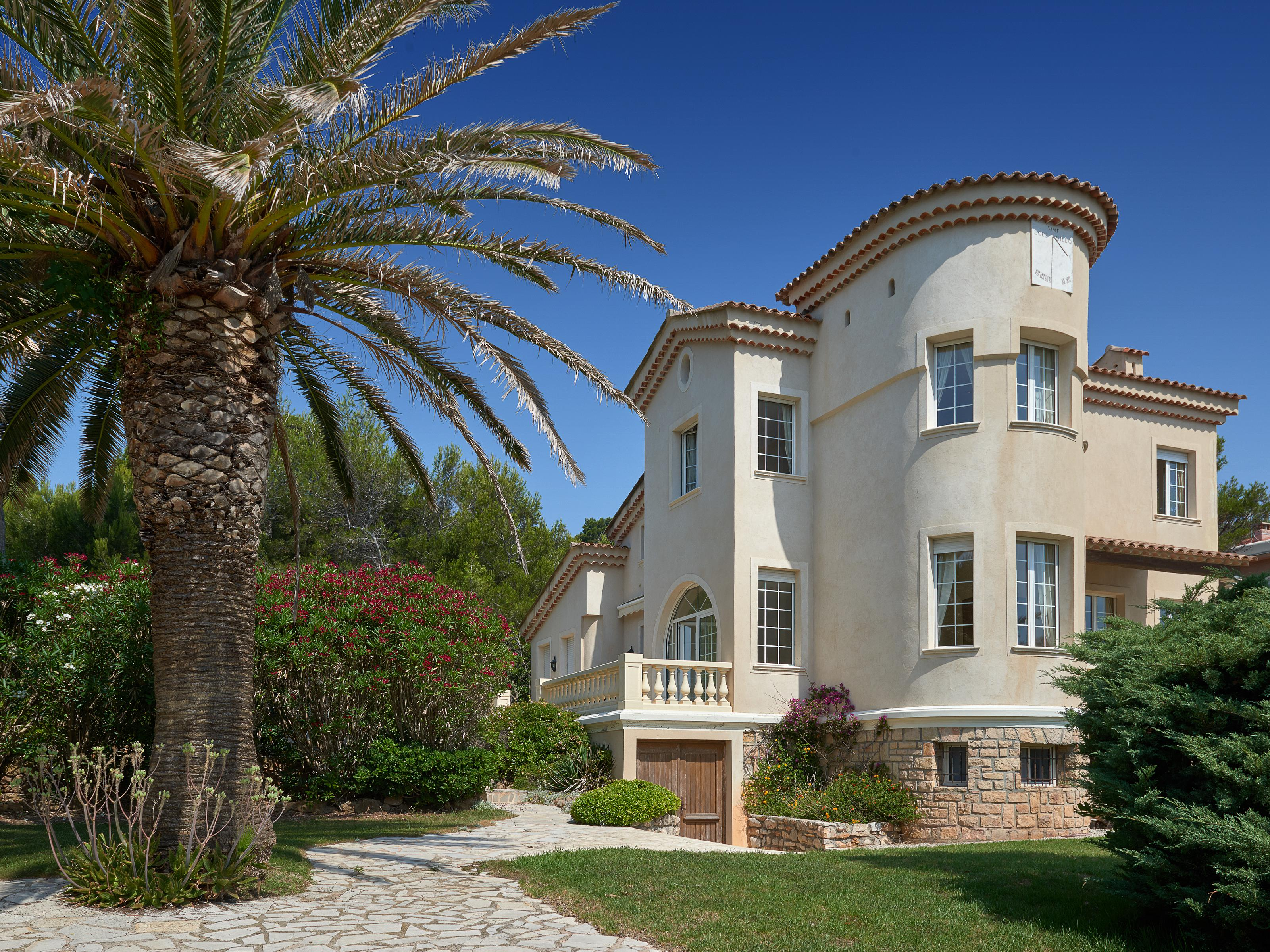 Single Family Home for Sale at Waterfront villa in Cap D'Antibes Cap D'Antibes, Provence-Alpes-Cote D'Azur 06160 France