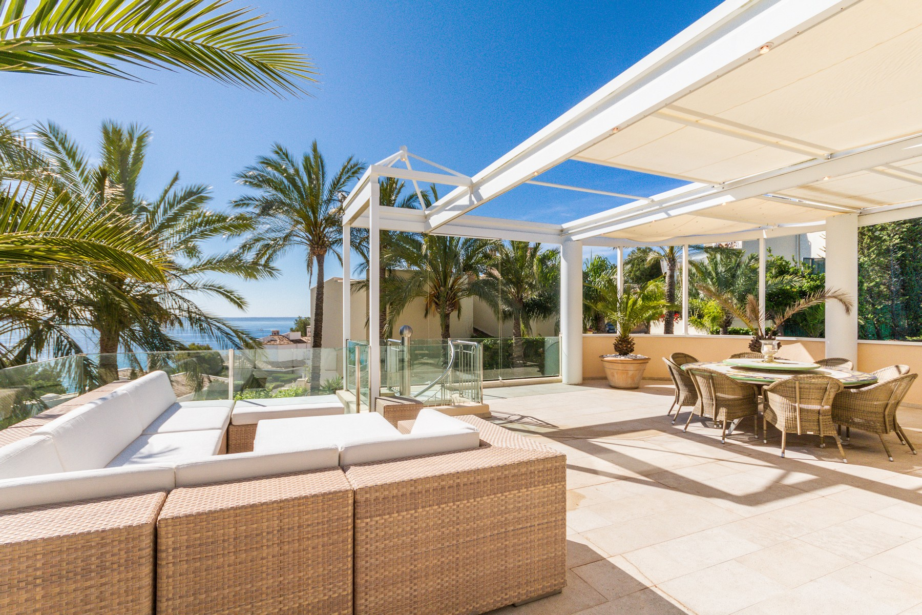 Casa Unifamiliar por un Venta en Sea view Villa in Cas Catalá with tennis court Bendinat, Mallorca 07181 España