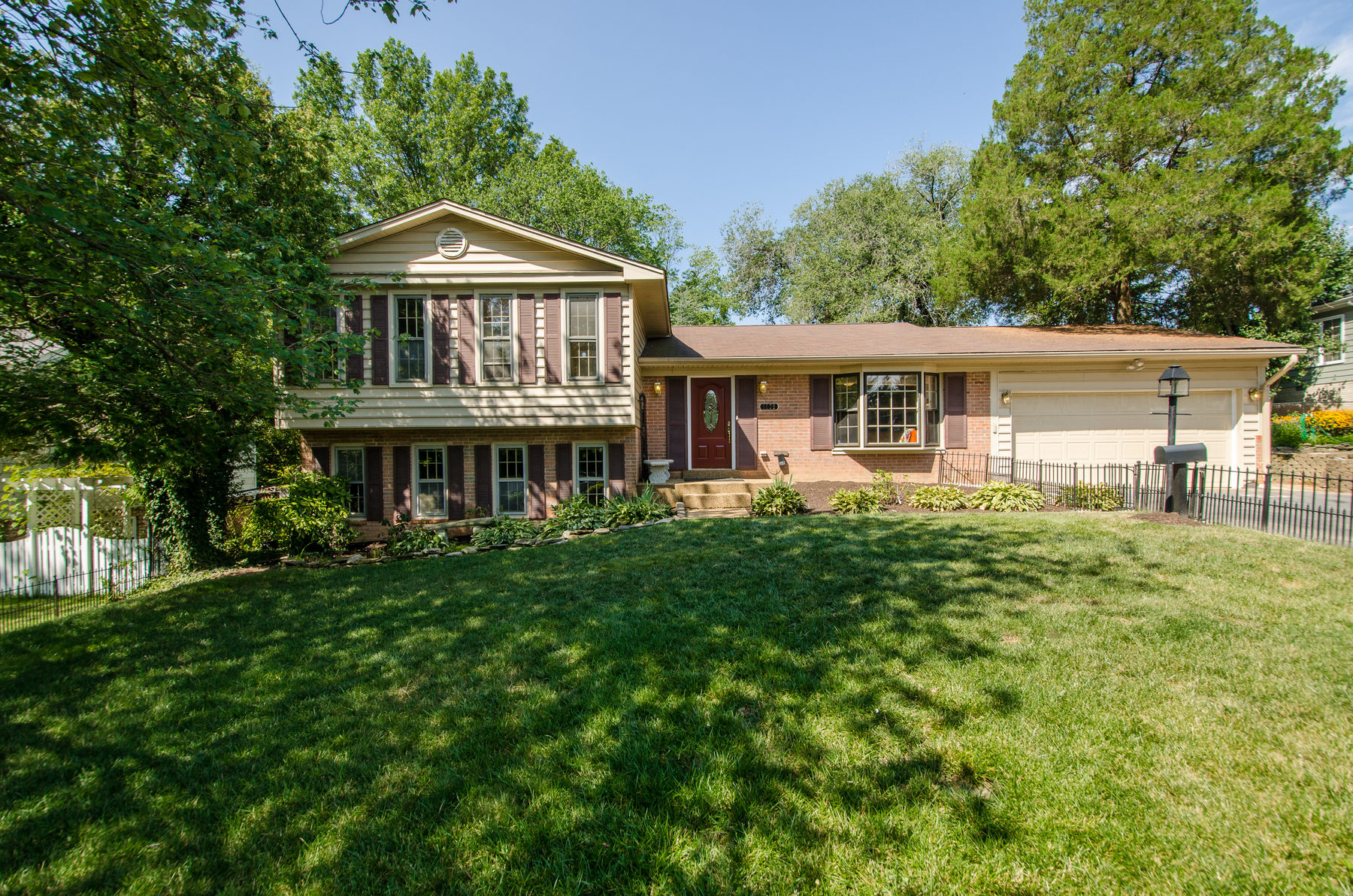 Villa per Vendita alle ore 1906 Great Falls Street, Mclean McLean, Virginia 22101 Stati Uniti