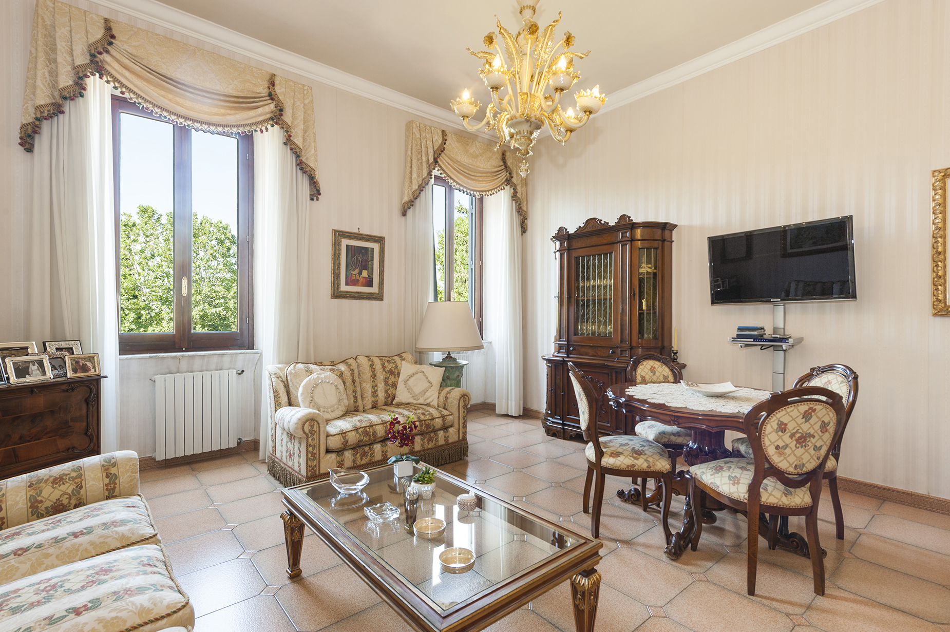 Apartamento por un Venta en Apartment in an exclusive building Ariccia, Roma Italia