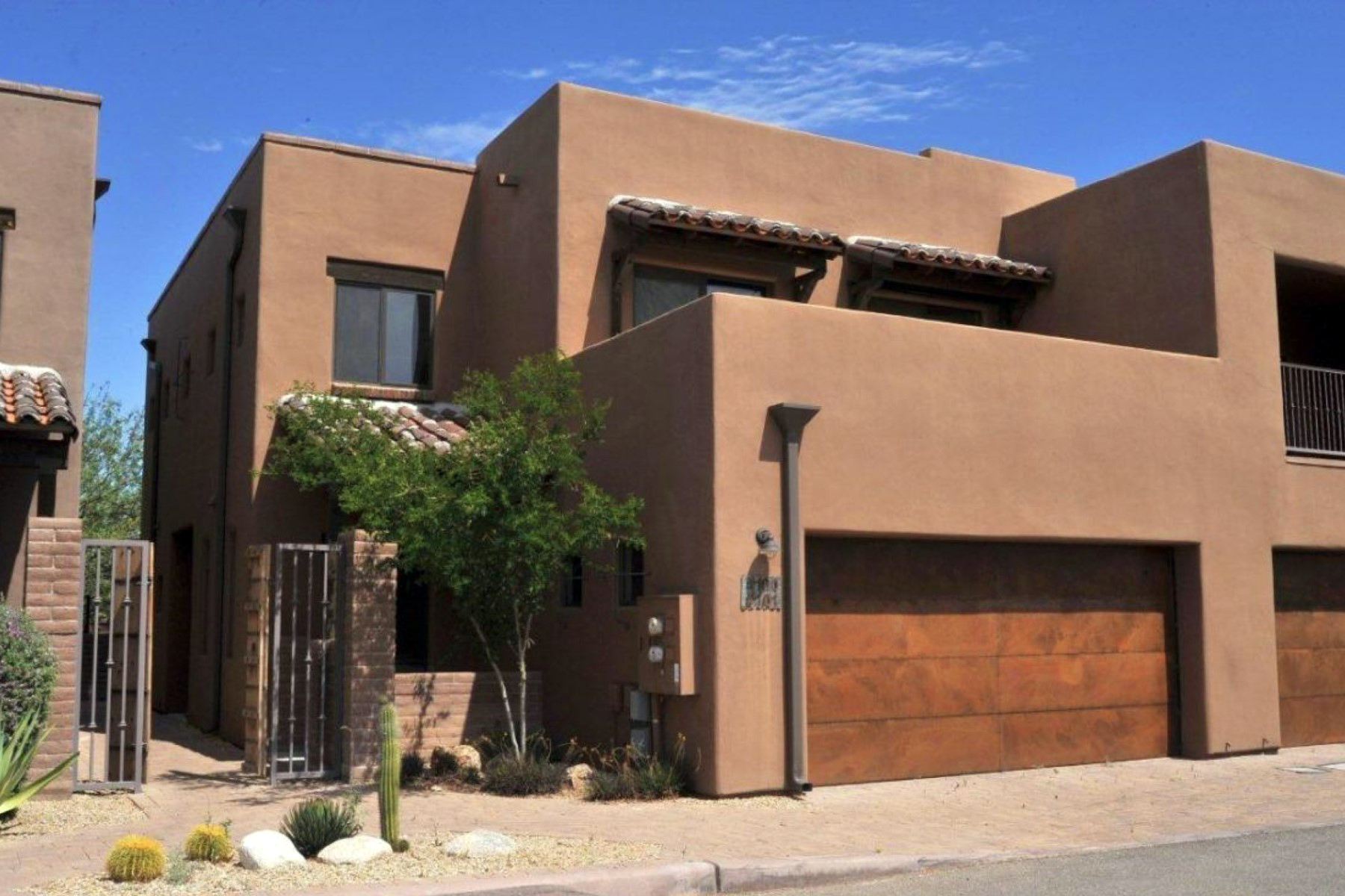 Piso por un Venta en Fabulous Rarely Lived in Central Tucson Condo 4100 N Thurston Lane #101 Tucson, Arizona 85705 Estados Unidos