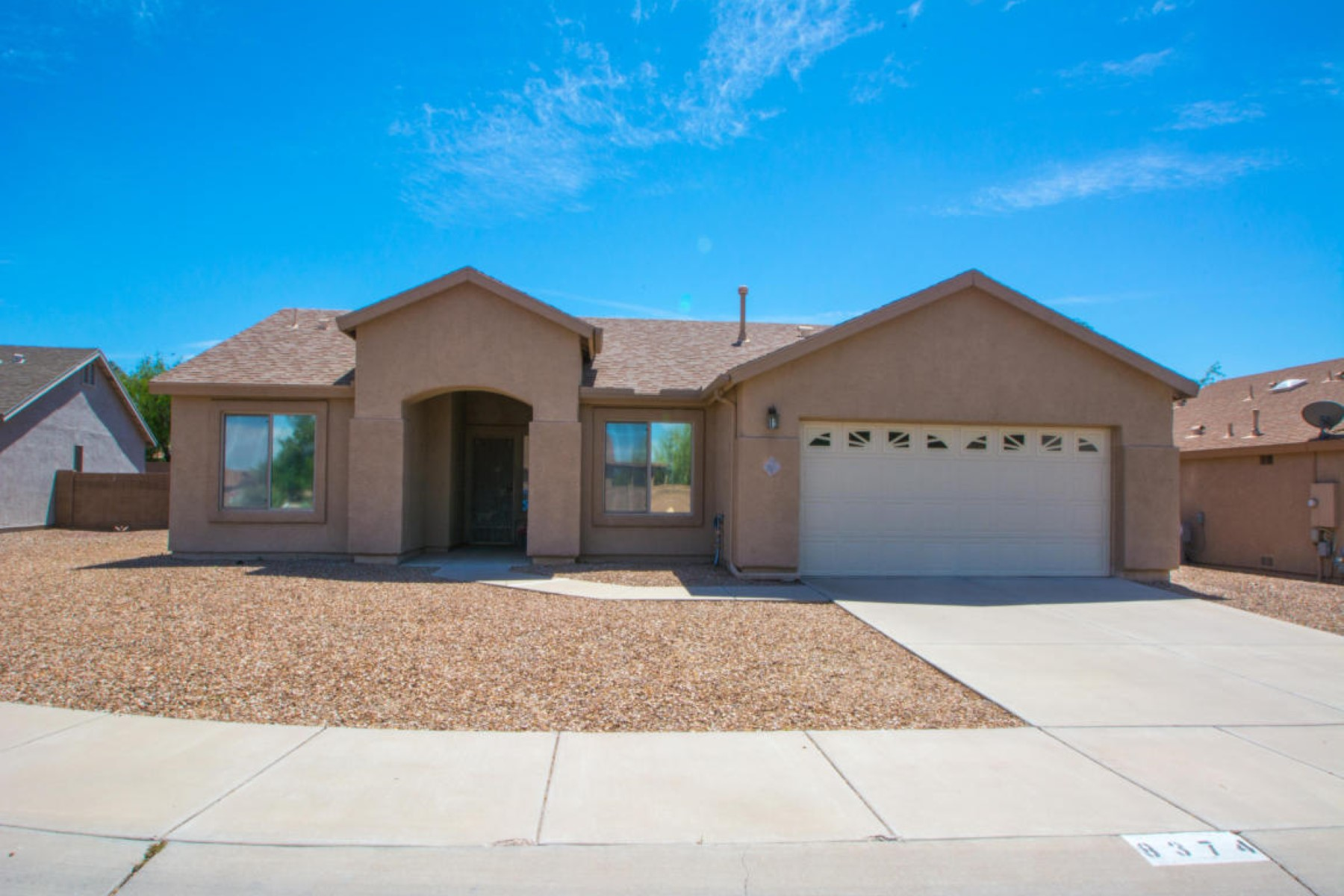 Vivienda unifamiliar por un Venta en Sought after neighborhood 8374 N Birthstone Lane N Tucson, Arizona 85741 Estados Unidos