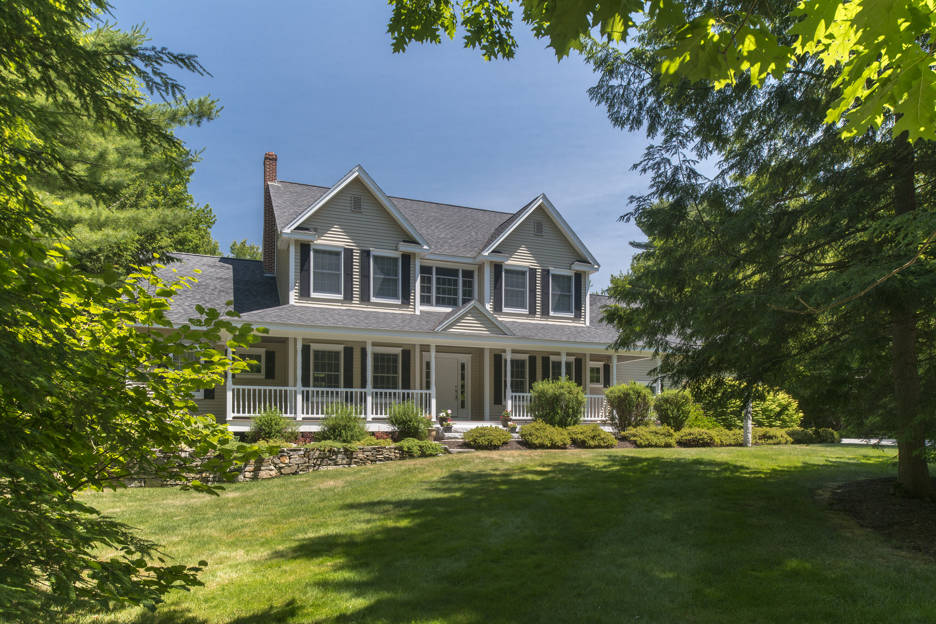 Single Family Home for Sale at 14 Shady Lane Falmouth, Maine, 04105 United States