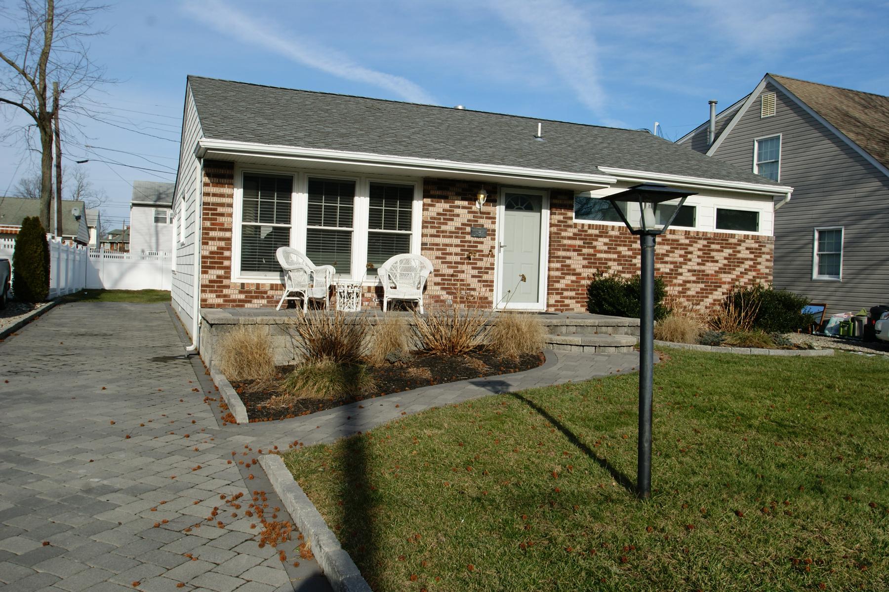 Maison unifamiliale pour l Vente à Southern Section of Point 415 Carter Ave Point Pleasant Beach, New Jersey 08742 États-Unis