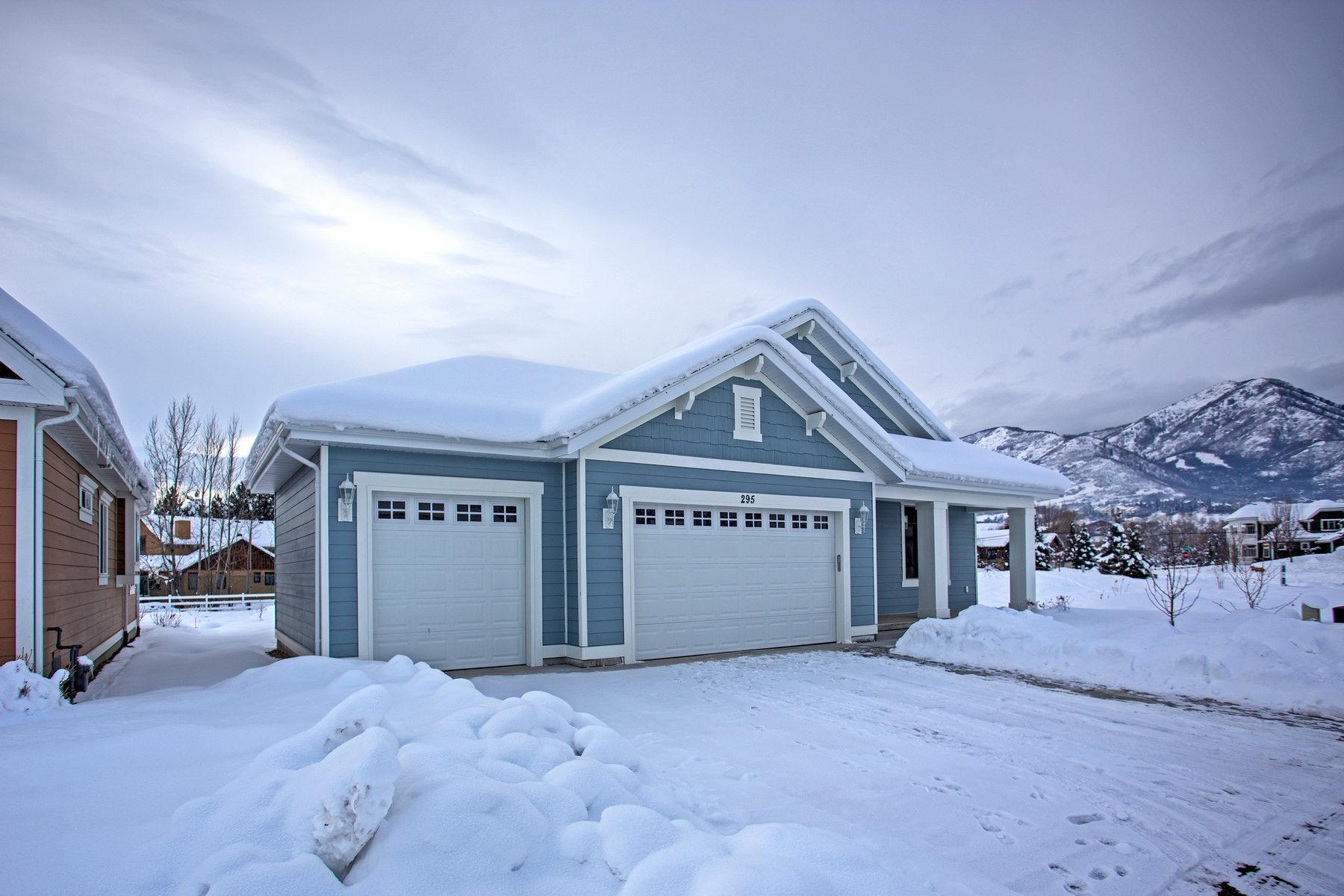 Casa Unifamiliar por un Venta en Country Living in Midway Village 295 W Burnts Fields Dr Midway, Utah 84049 Estados Unidos