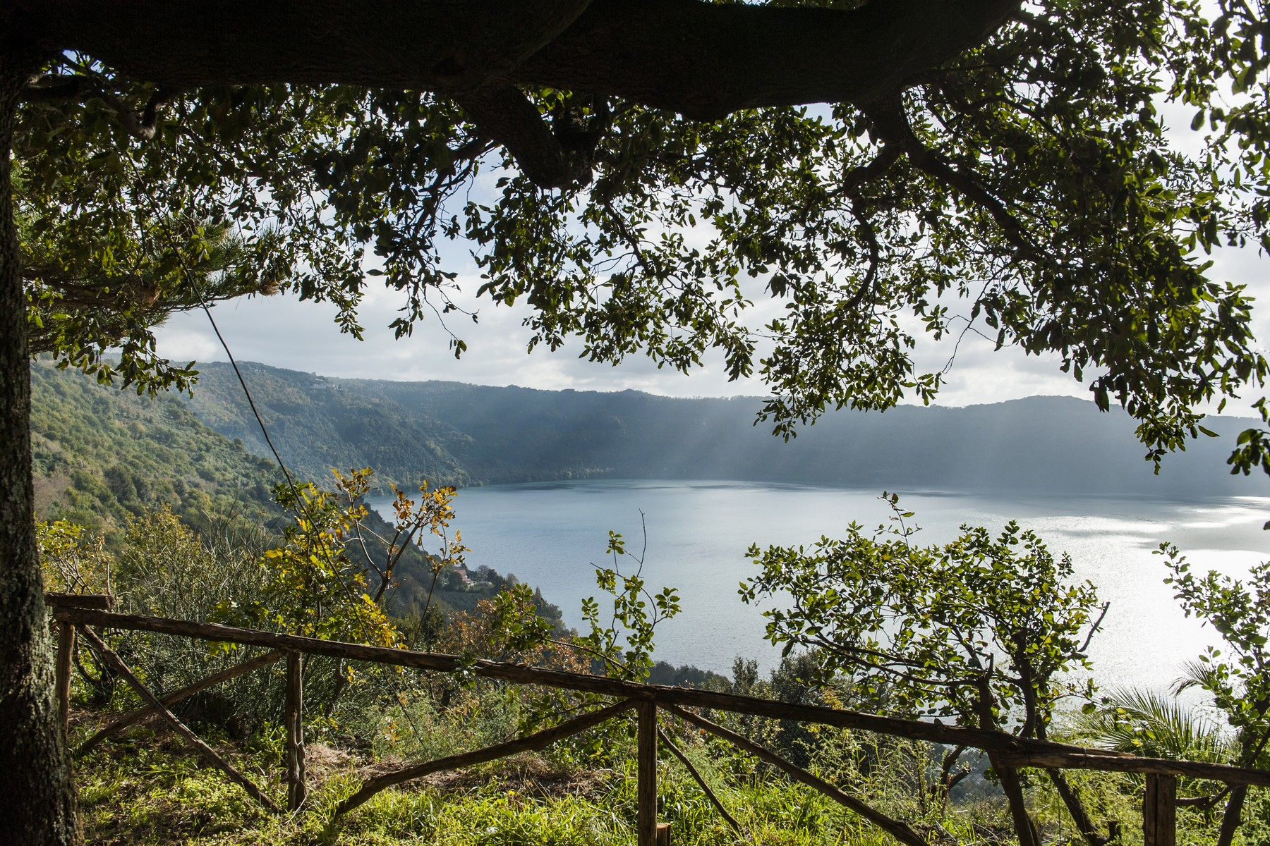 Additional photo for property listing at Beautiful Villa with spectacular views over Lake Albano Via dei Laghi km 7,800 Marino, Roma 00047 Italia