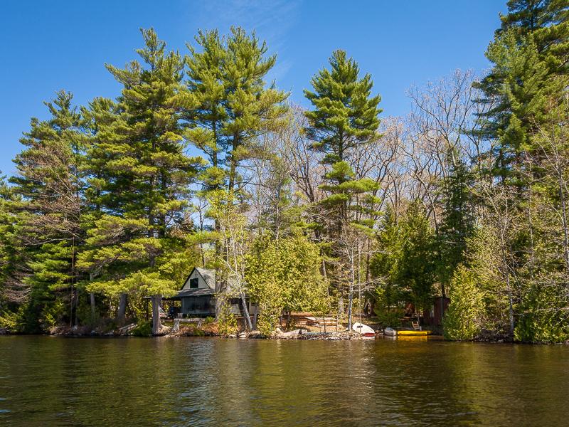 Villa per Vendita alle ore Youroc Camp 18 Stetson's Way West Gardiner, Maine 04345 Stati Uniti