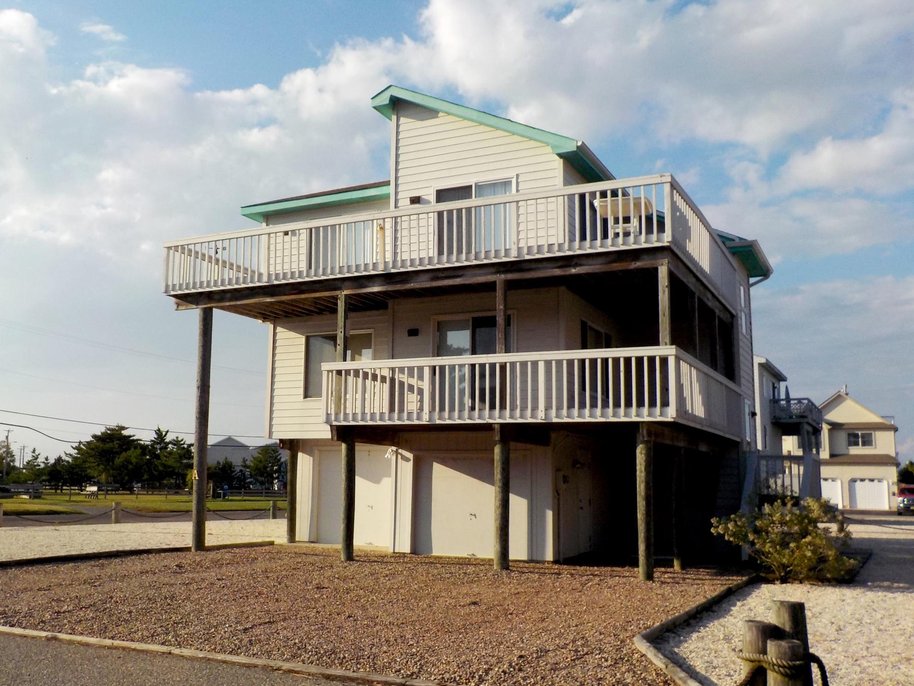 Maison unifamiliale pour l Vente à HARBOR IDYL 1A Sunset Blvd. High Bar Harbor, Long Beach Township, New Jersey, 08008 États-Unis