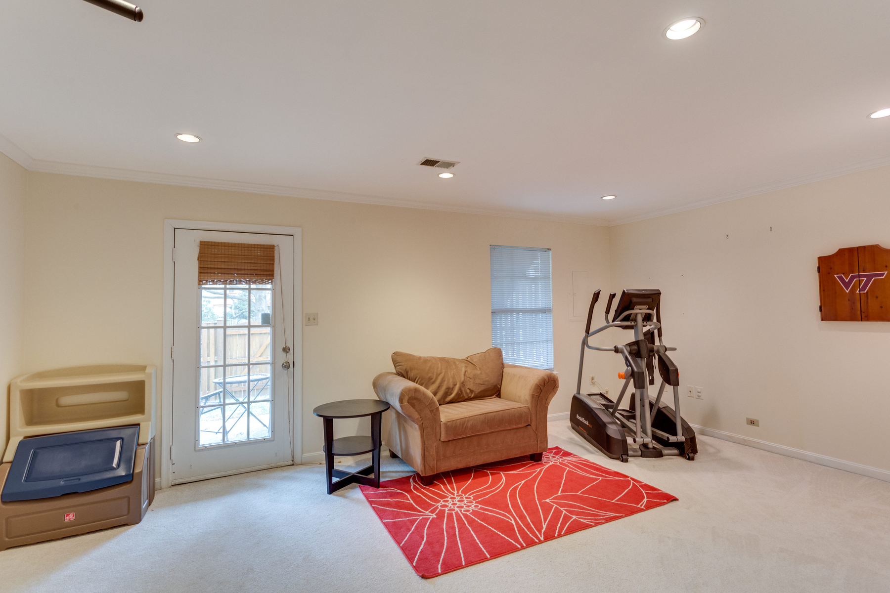 Additional photo for property listing at Runnymeade 6047 Knights Ridge Way Alexandria, Virginia 22310 Estados Unidos