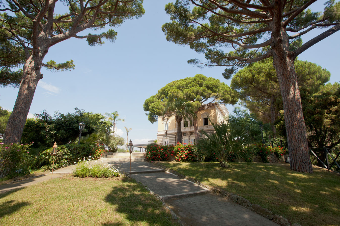 Additional photo for property listing at Art Nouveau villa overlooking the italian Riviera Celle Ligure Celle Ligure, Savona 17015 Italien