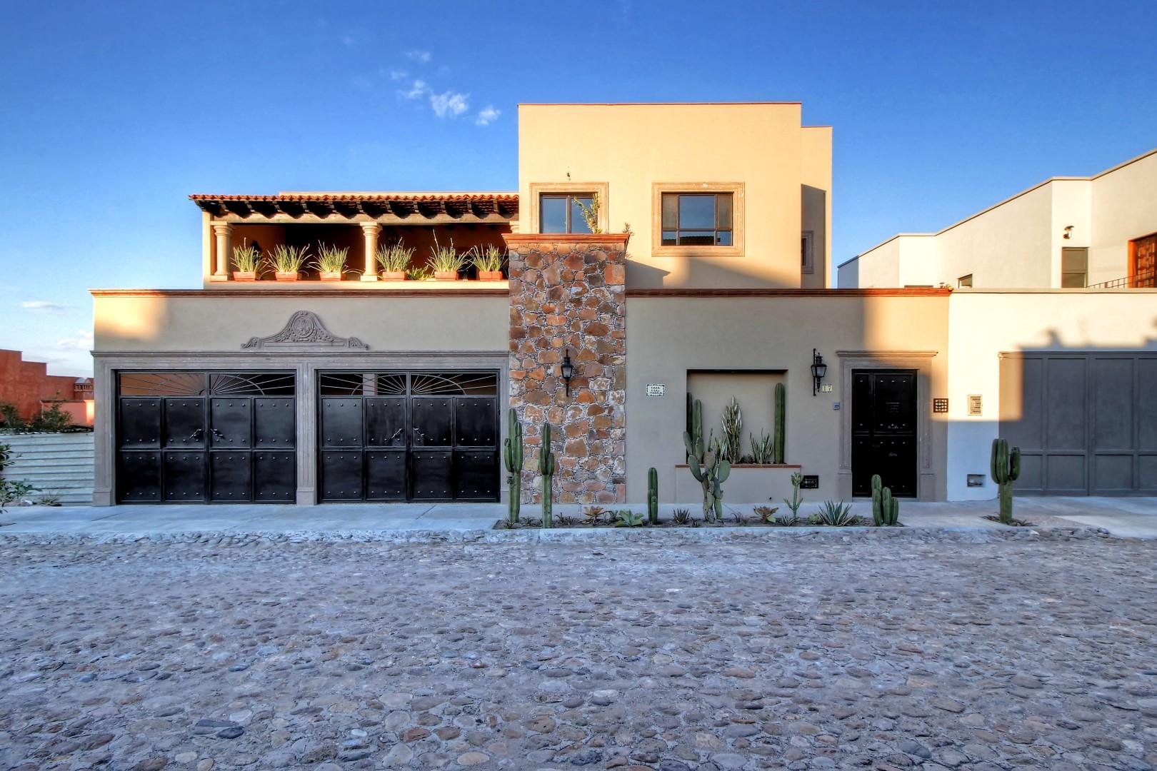 Single Family Home for Sale at Casa Las Terrazas San Adbiel 17 San Miguel De Allende, Guanajuato 37774 Mexico