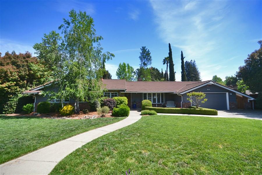 Частный односемейный дом для того Продажа на 974 Ocho Rios Dr Danville, Калифорния, 94526 Соединенные Штаты