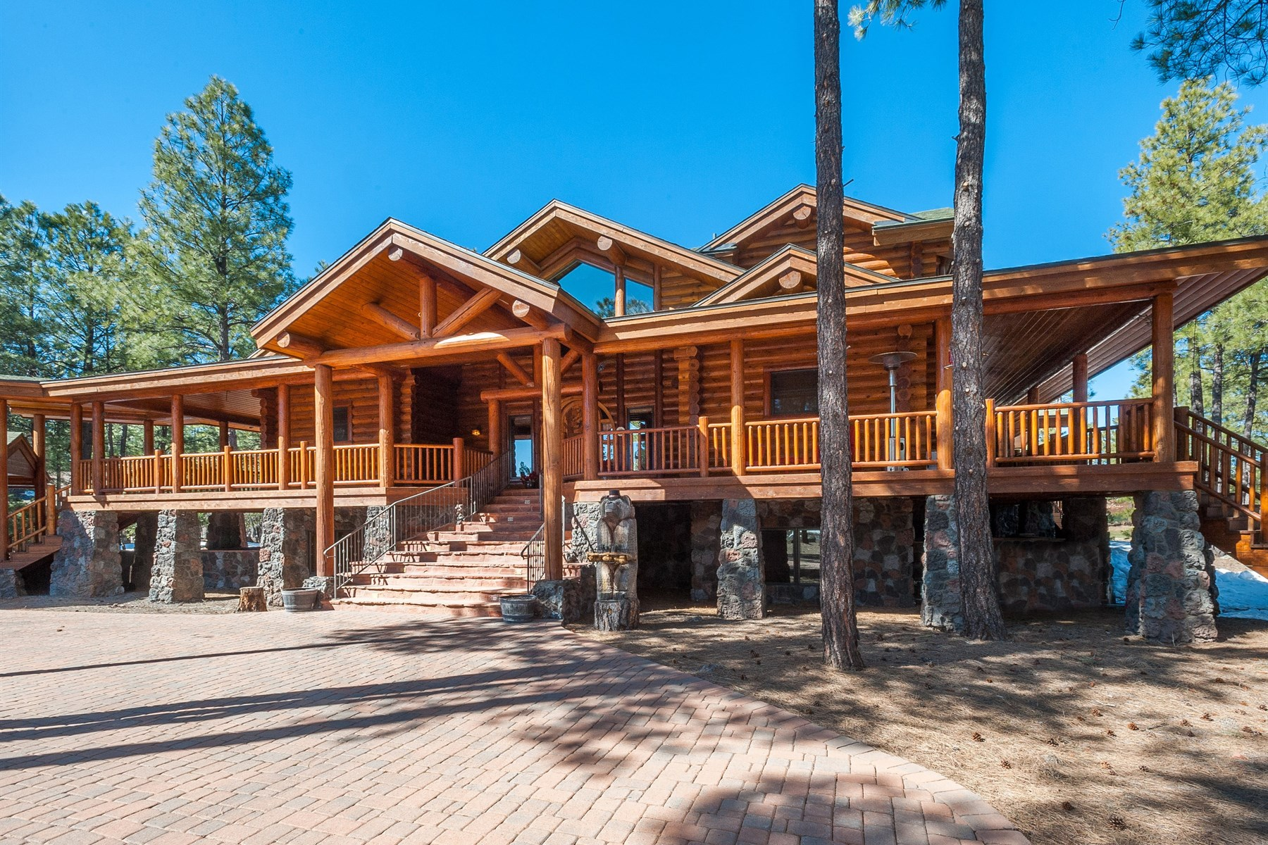 獨棟家庭住宅 為 出售 在 Outstanding Custom Log Retreat 3254 Andrew Douglass Flagstaff, 亞利桑那州, 86005 美國