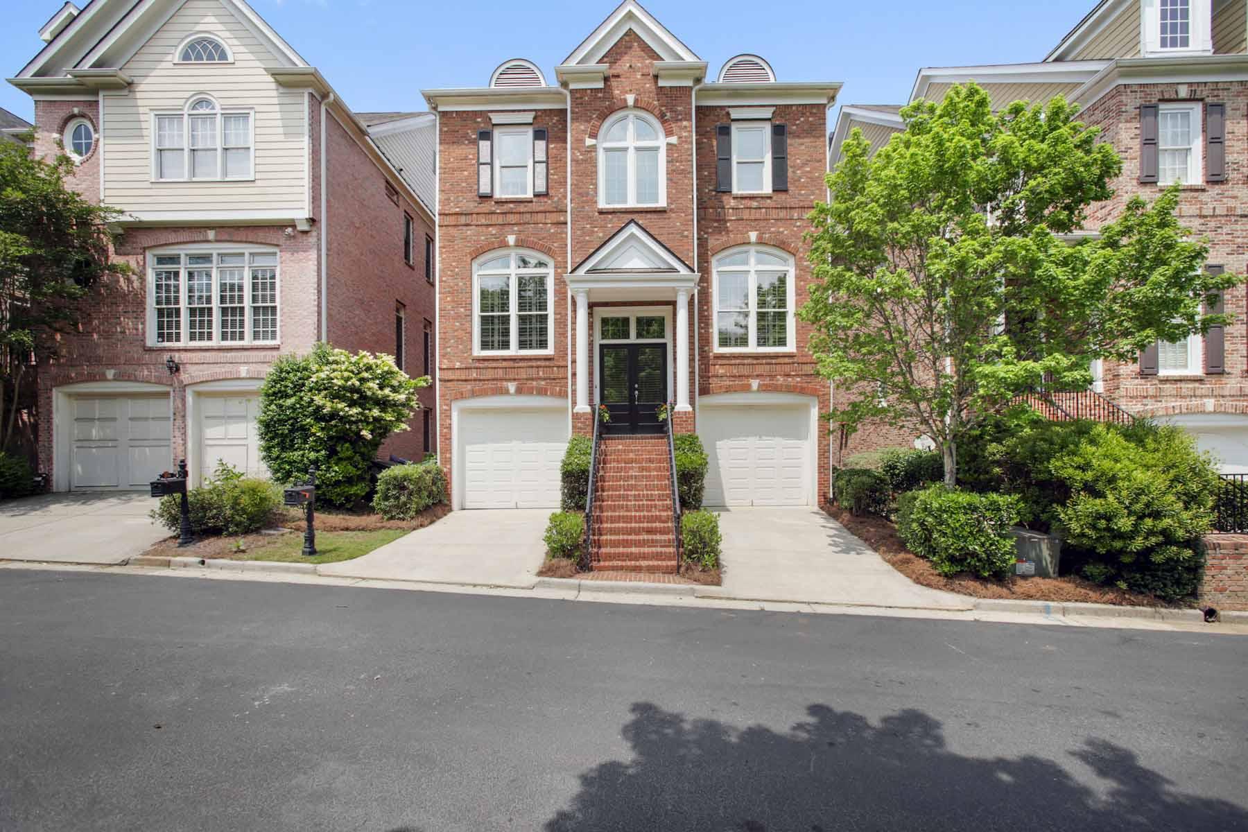 Частный односемейный дом для того Продажа на Amazing All brick Three level Four bed/Three and a Half Bath Executive Property 1111 Valley Overlook Drive NE Atlanta, Джорджия, 30324 Соединенные Штаты