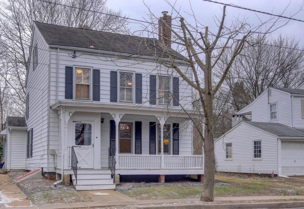 独户住宅 为 出租 在 Sweet and Comfy in Historic Cranbury 18 Station Road 克兰伯里, 新泽西州 08512 美国