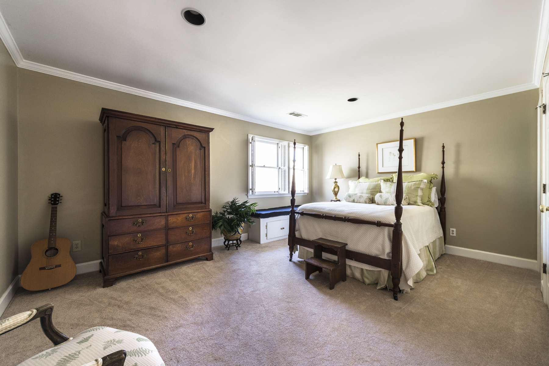 Additional photo for property listing at Spacious Living In Atlanta Country Club 370 Dogwood Trail Marietta, Georgia 30067 Hoa Kỳ