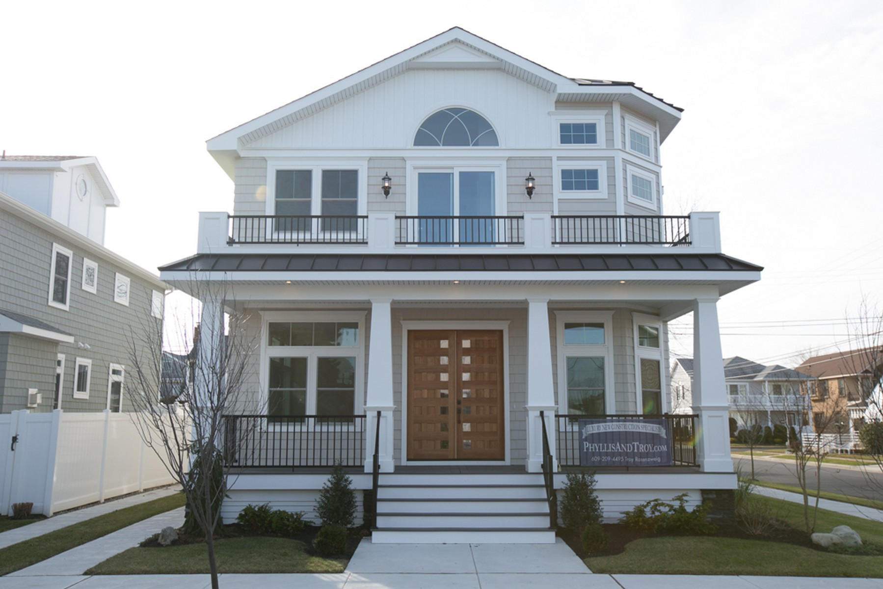 Single Family Home for Sale at 16 N Sumner Ave Margate, New Jersey, 08402 United States