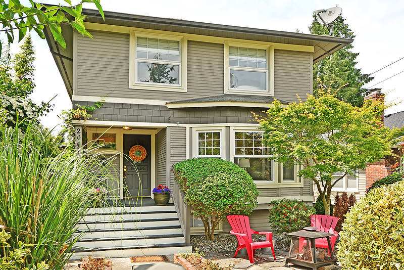 Vivienda unifamiliar por un Venta en Queen Anne Charmer 2447 1st Ave North Seattle, Washington, 98109 Estados Unidos