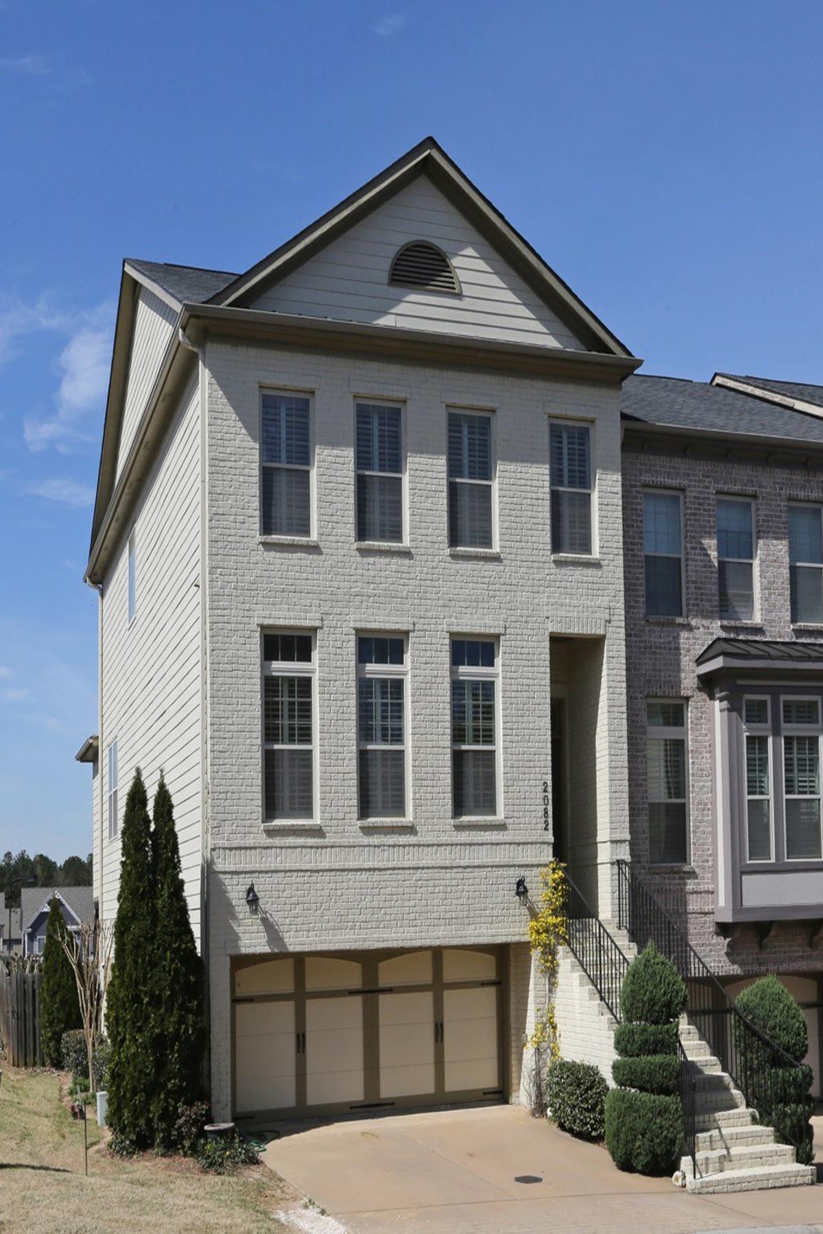 Stadthaus für Verkauf beim Beautiful End Unit Townhome 2082 Silas Way Atlanta, Georgia, 30318 Vereinigte Staaten
